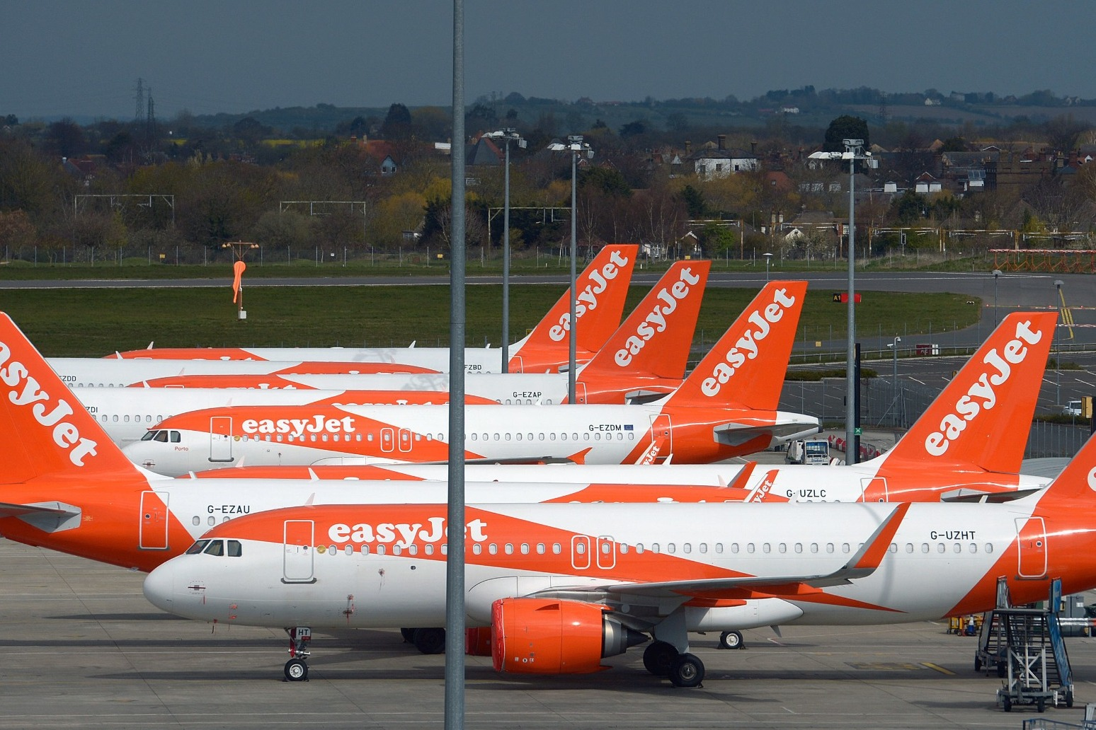 Thousands of easyJet staff to lose jobs as airline cuts workforce by up to 30%