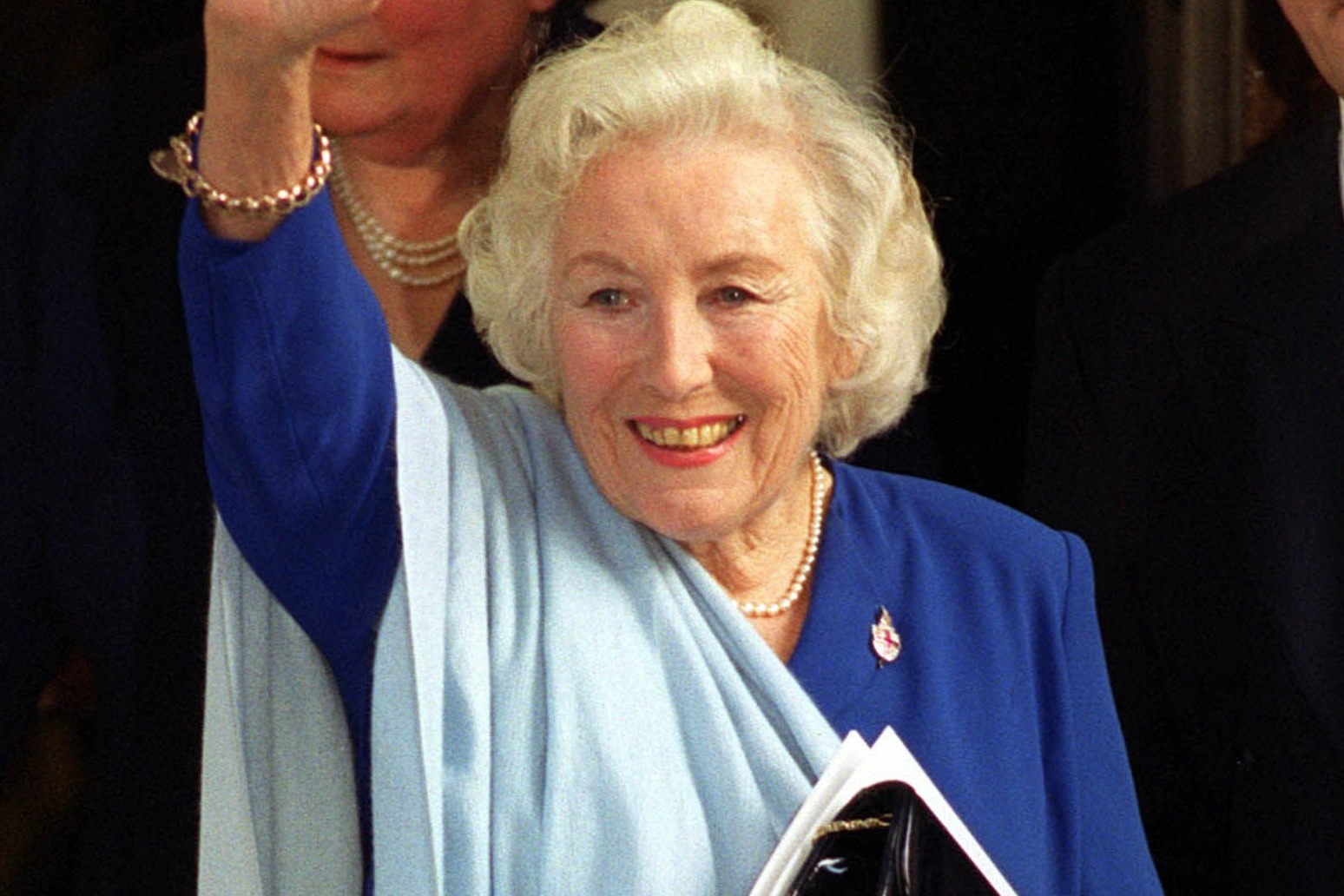 Forces Sweetheart Dame Vera Lynn to be honoured with flypast before funreal