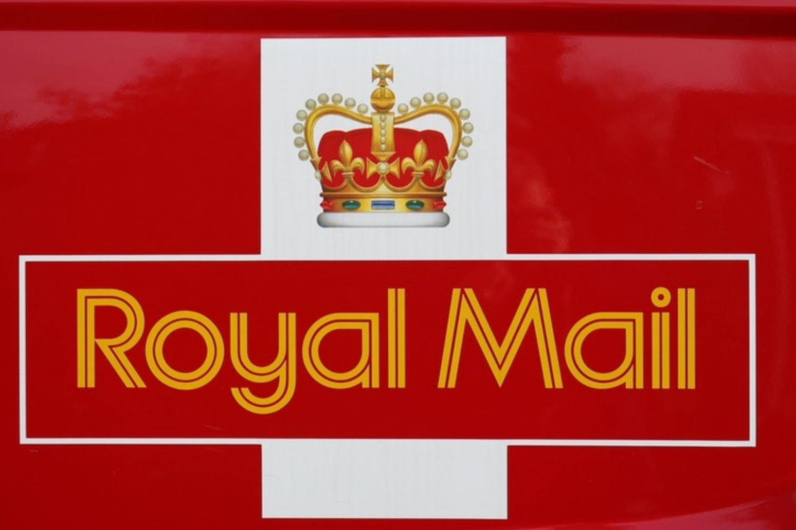 Royal Mail axing 2,000 management jobs in coronavirus cost-cutting drive