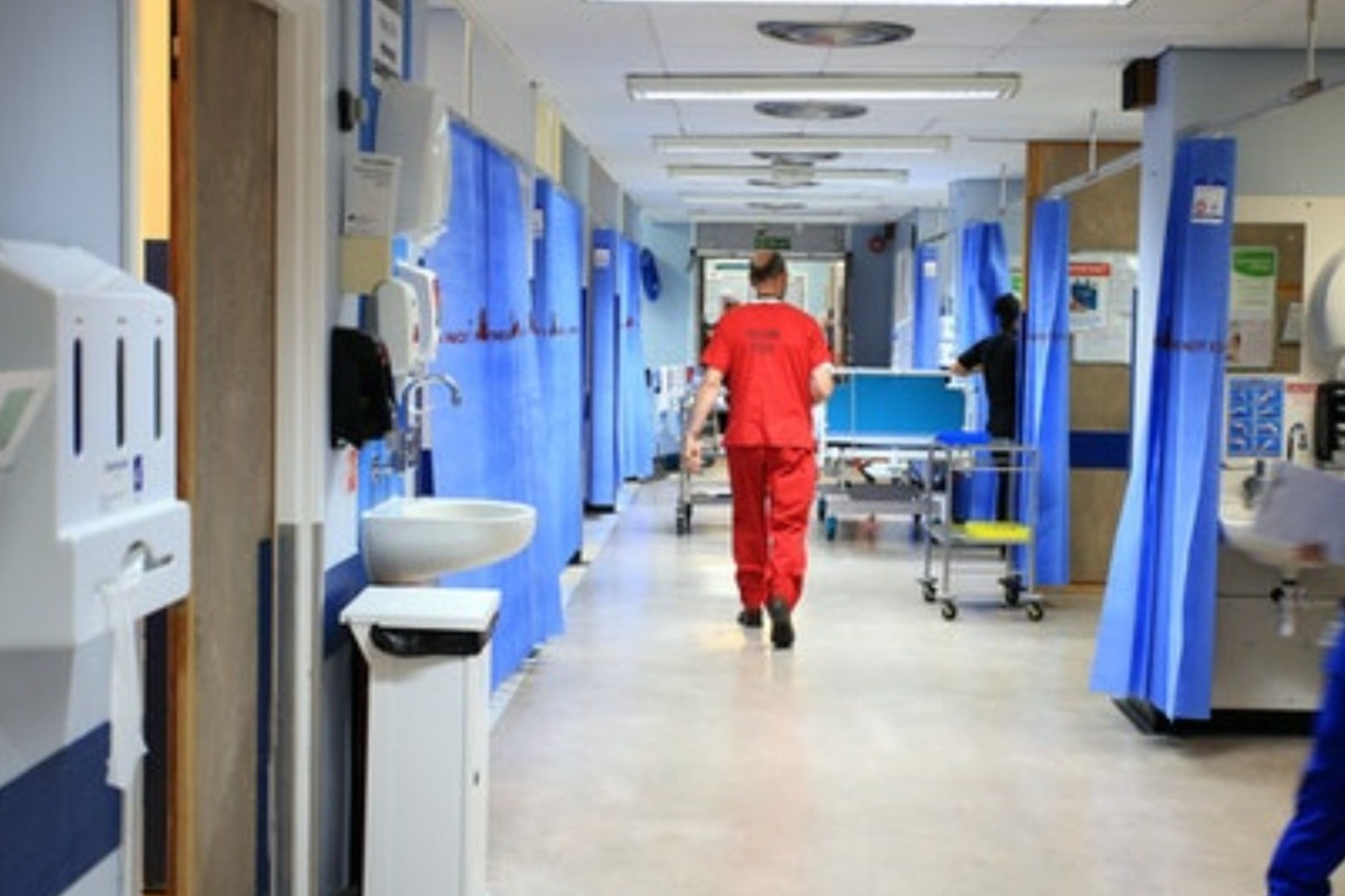 Hospitals could be treating 25,000 Covid-19 patients within weeks