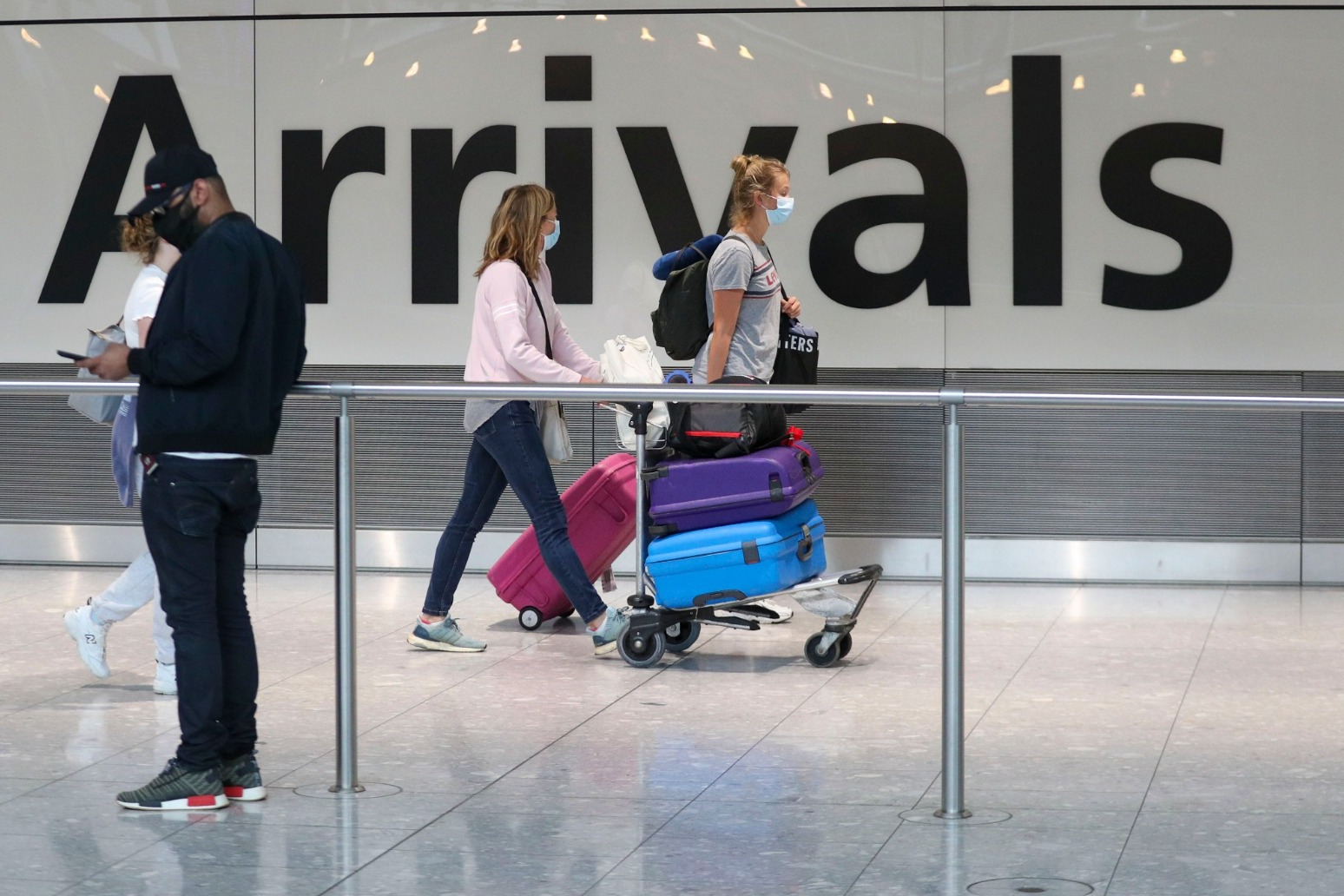 Heathrow boss calls for coronavirus testing on arrival