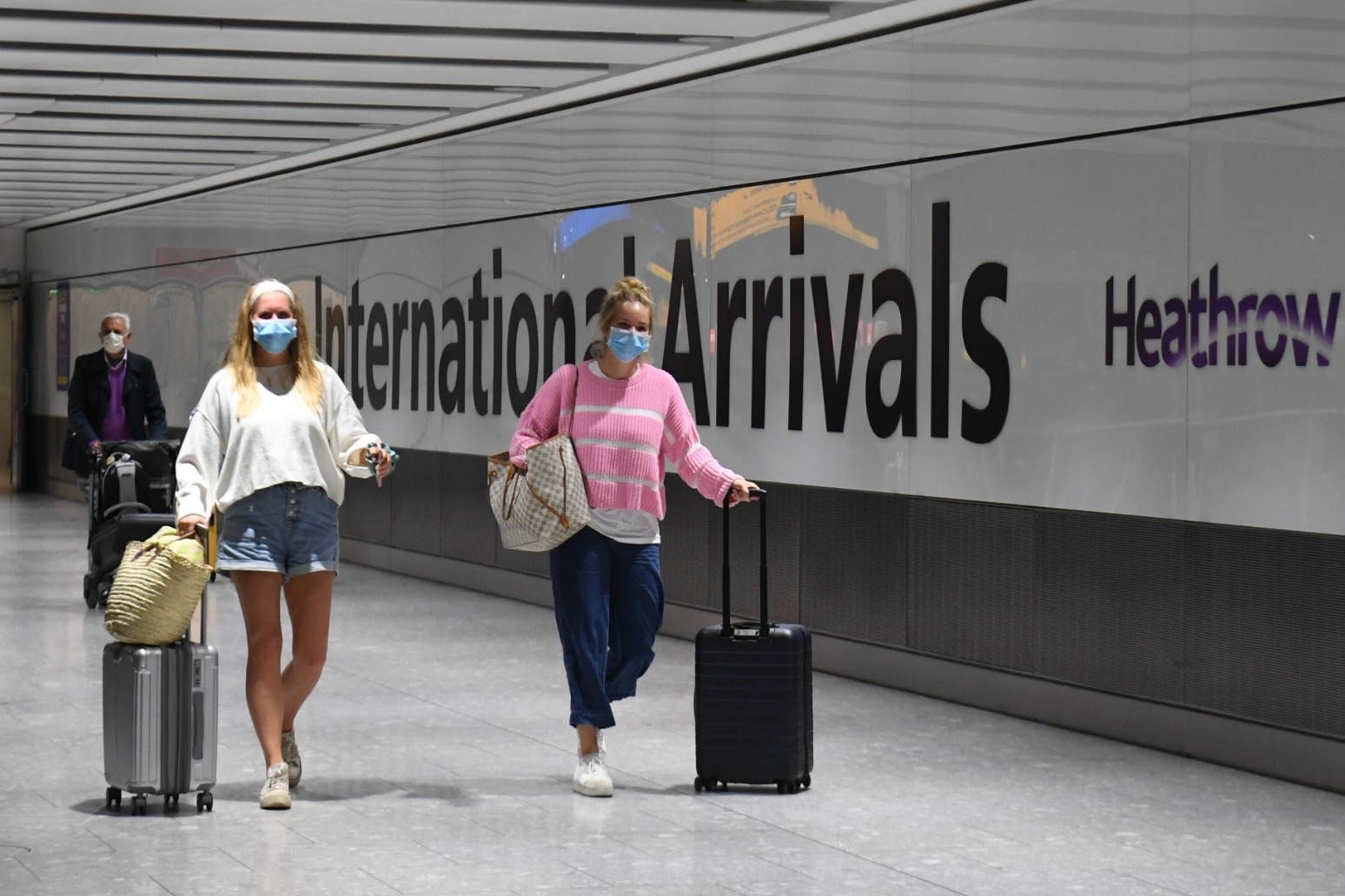 Holidaymakers scramble to beat quarantine as new restrictions imposed in north