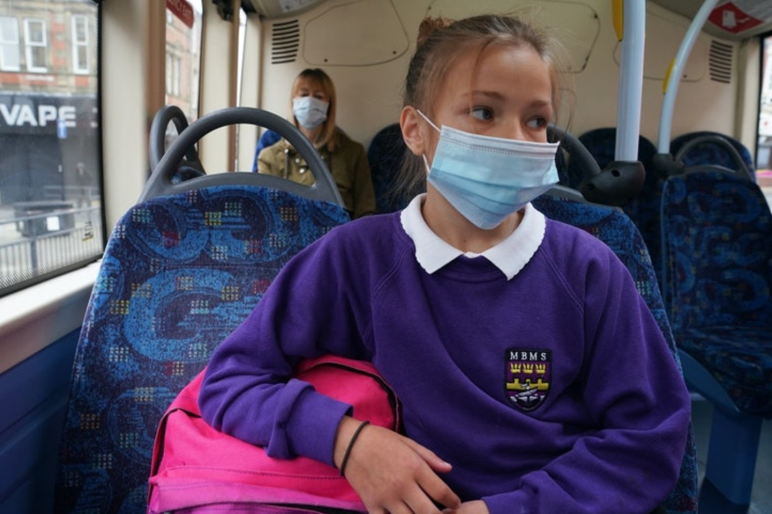 Keep masks in schools option under review, urges education union