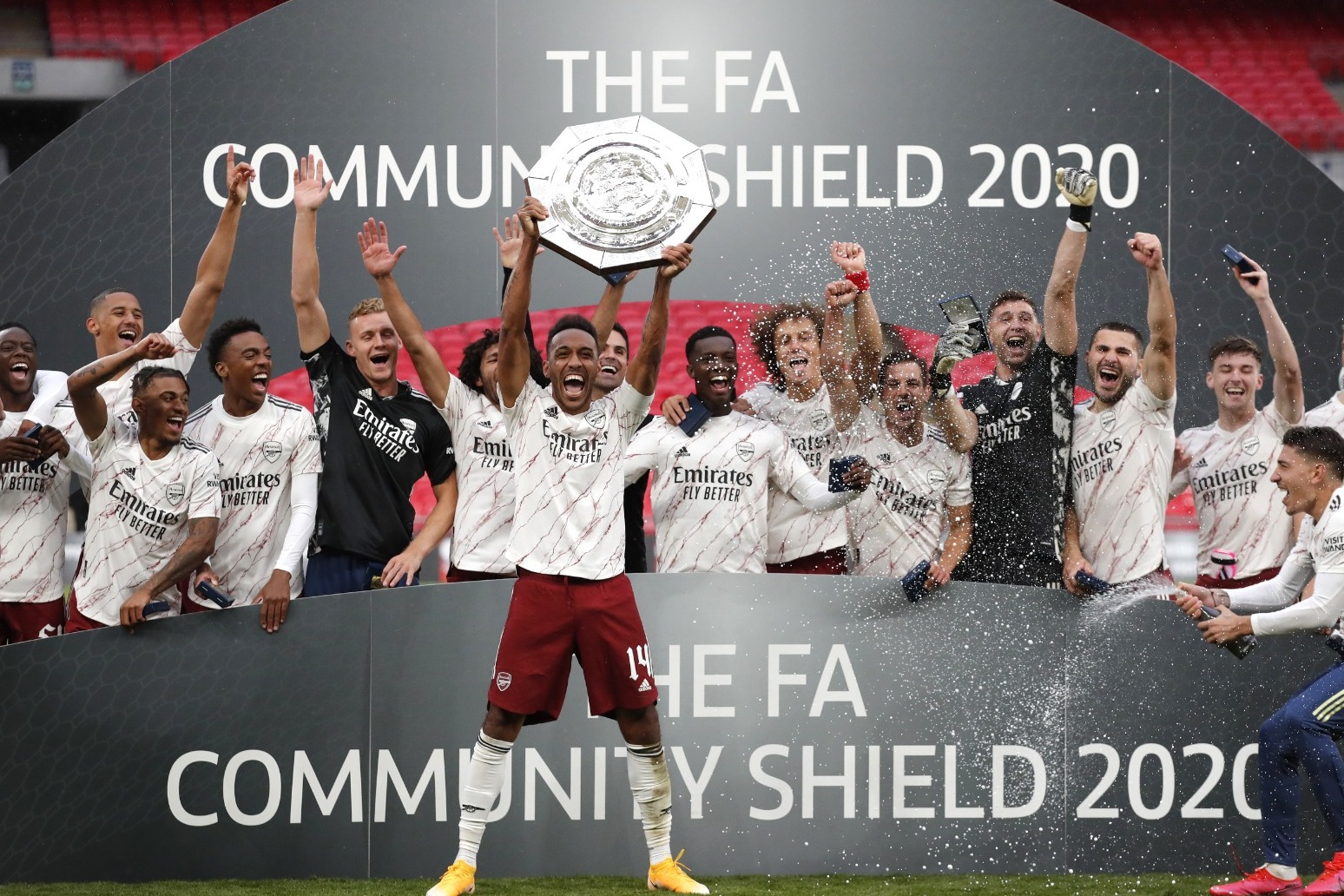 Arsenal beat the champions to win the Community Shield