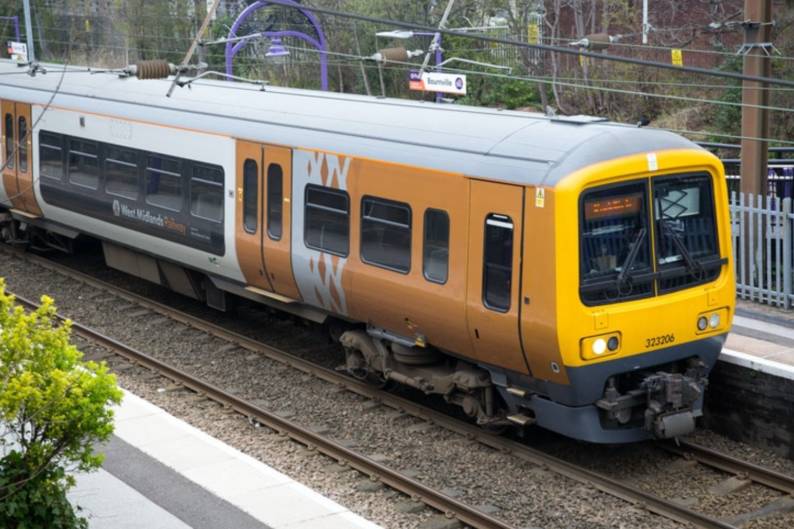 Rail franchising 'ended' to create 'more effective structure'