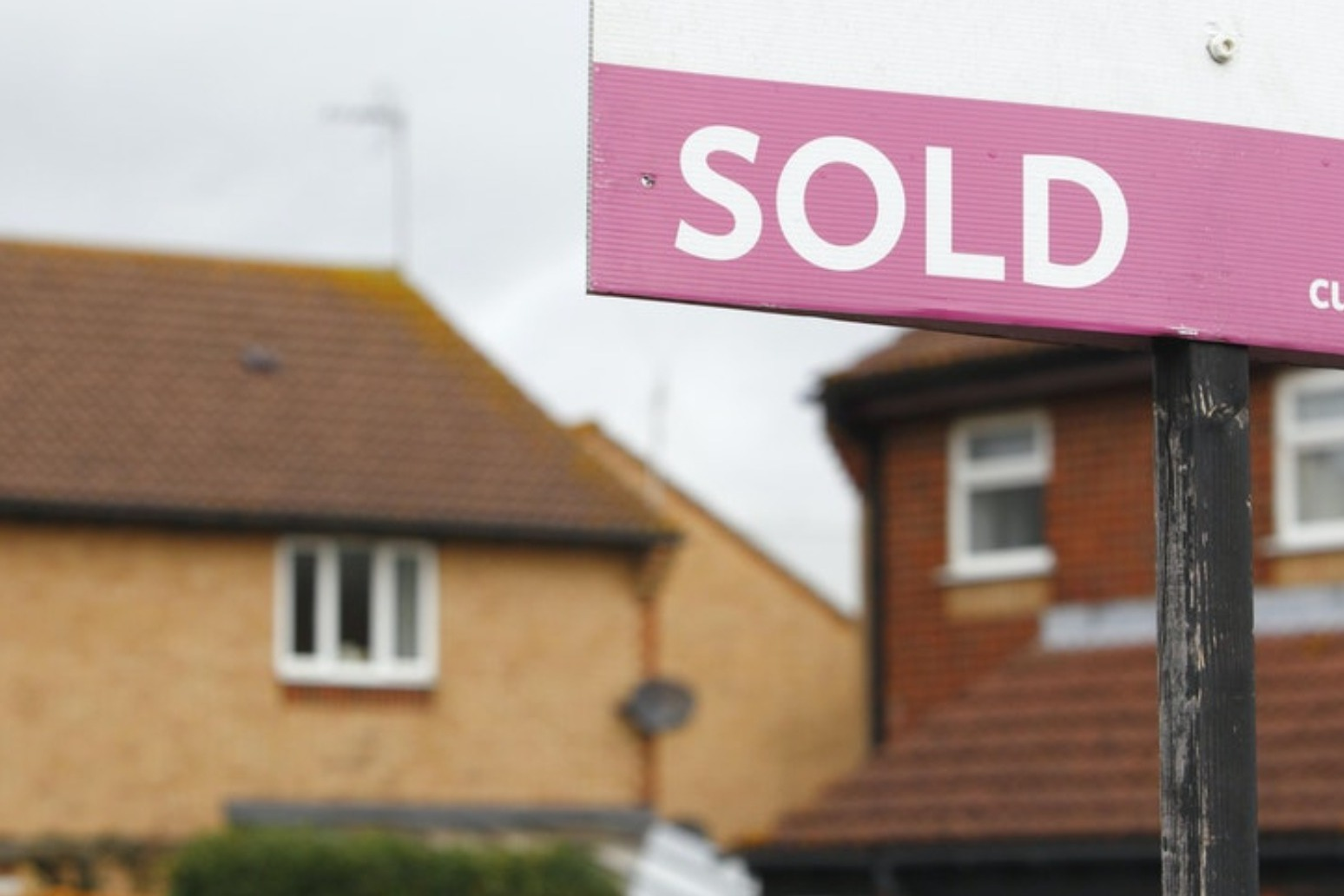 Average UK house price hits new record high in September