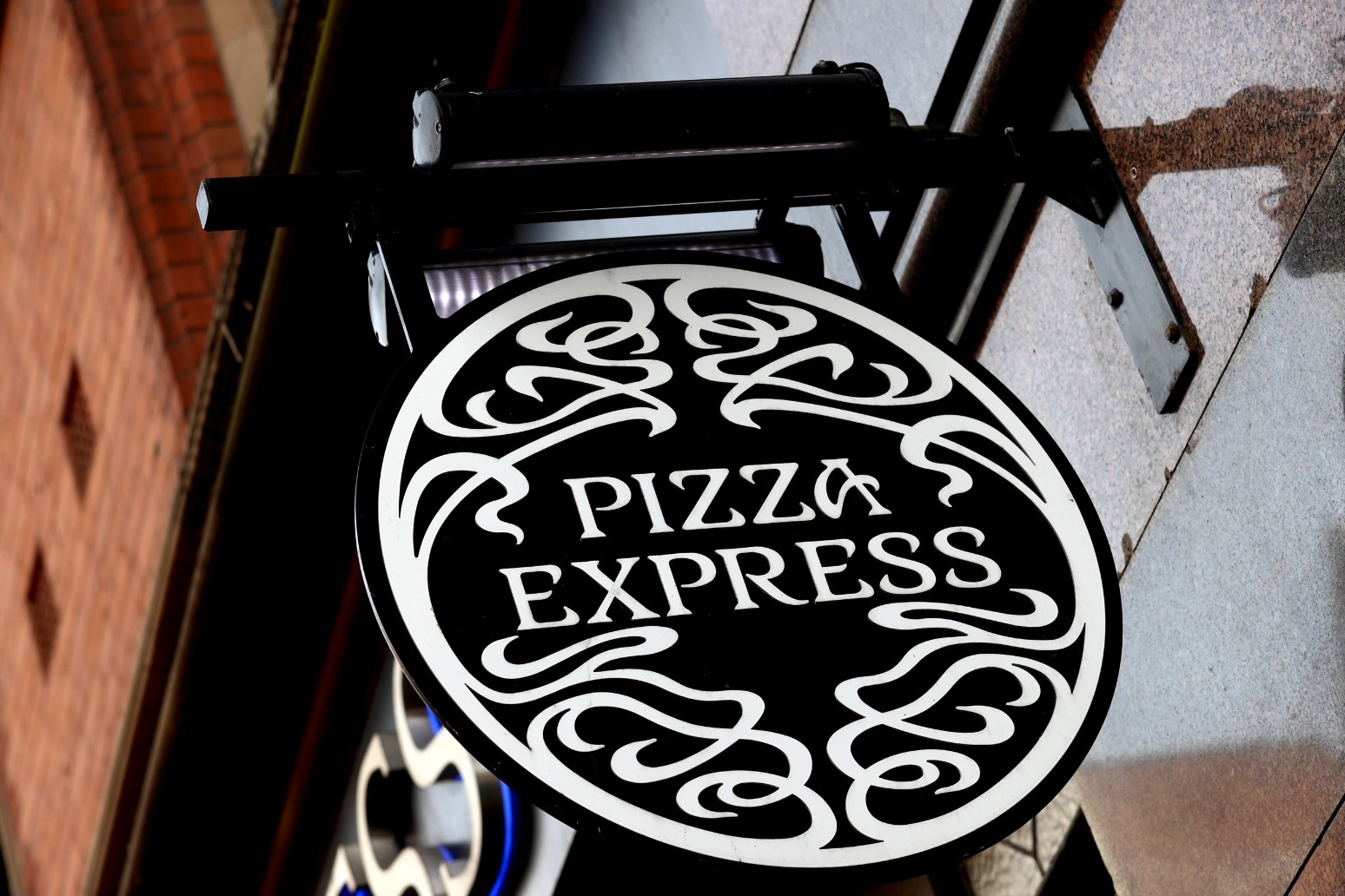 Pizza Express to recruit 1,000 workers as restaurants reopen