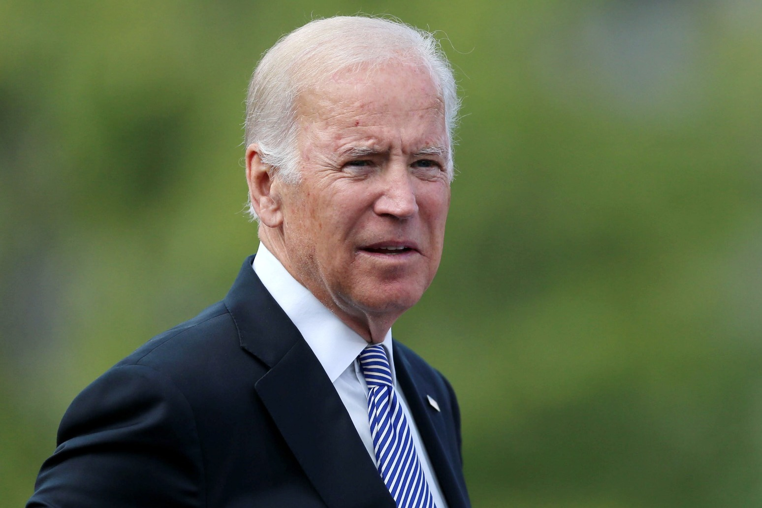 Biden calls on mob to \