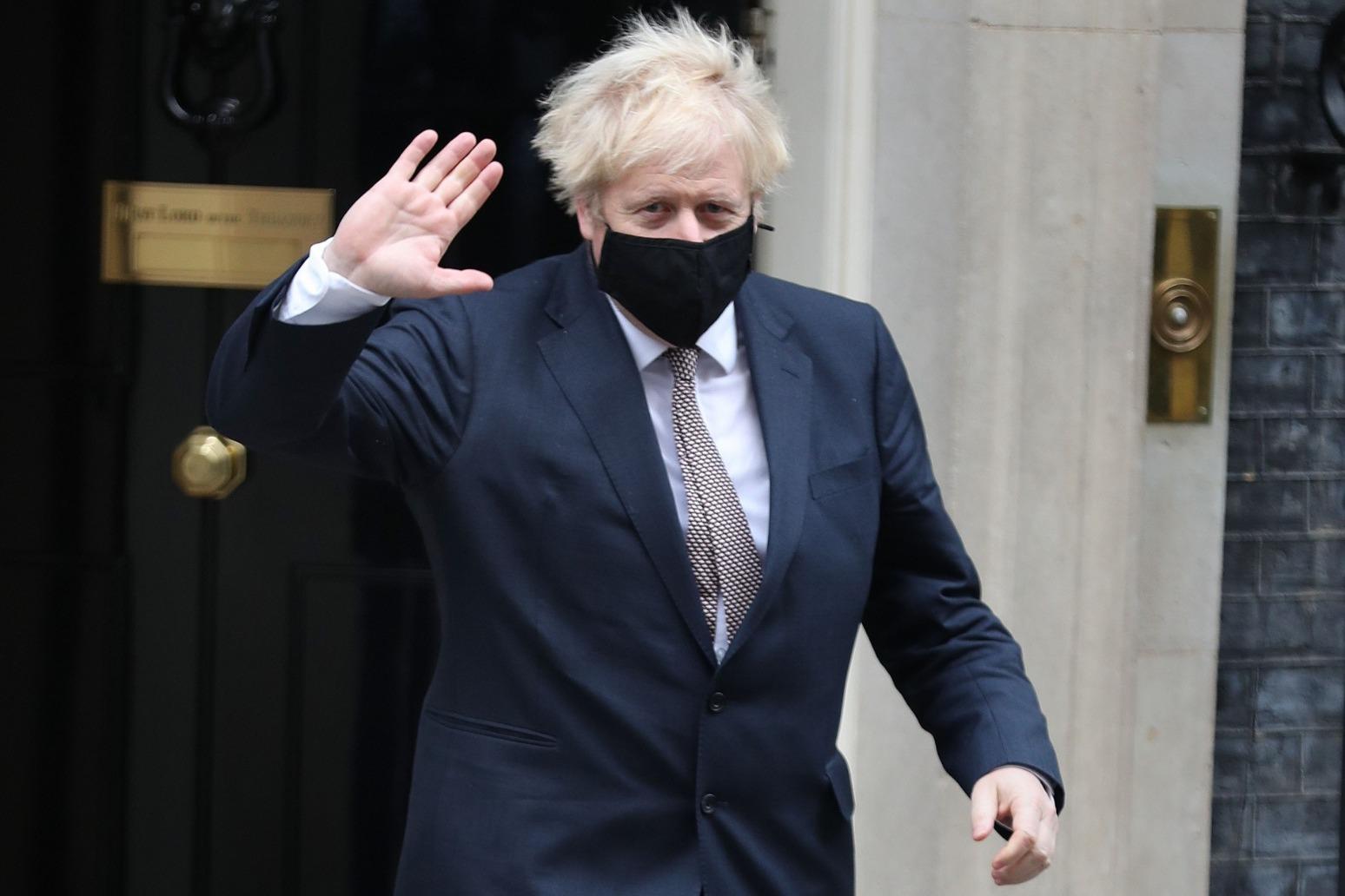 PM announces £20m to boost medicine manufacturing in UK