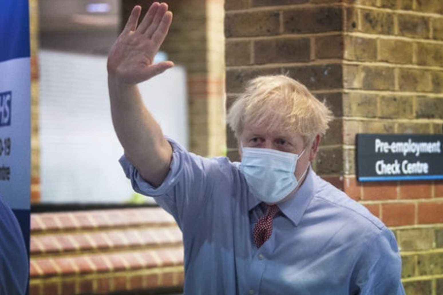 Johnson to fly to Brussels hoping for breakthrough over dinner with EU chief