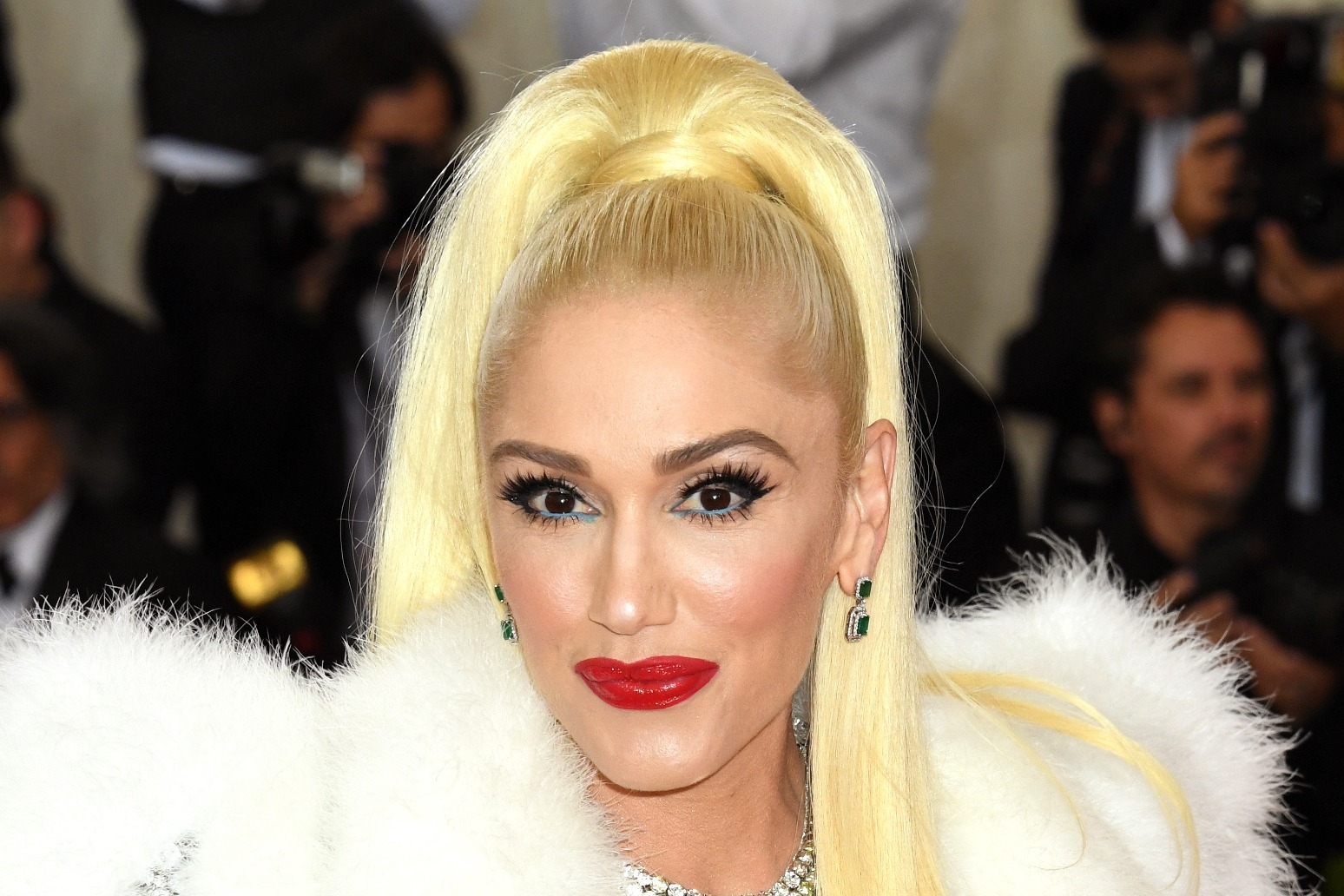 Gwen Stefani confirms she\'s married country music star Blake Shelton