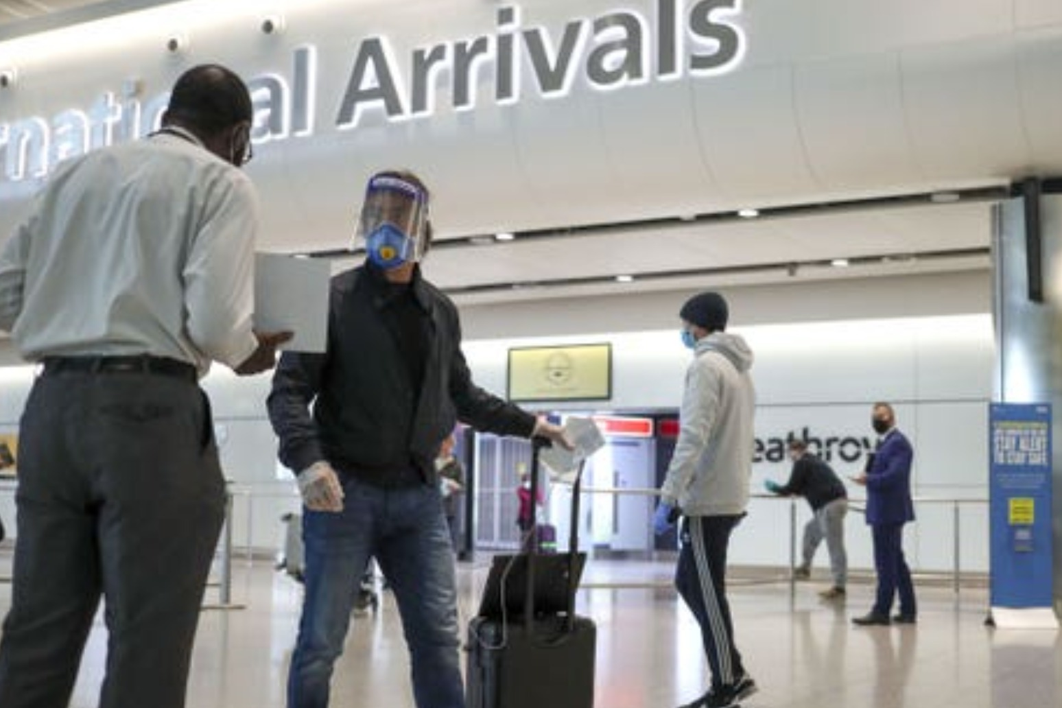 Threat of 10-year sentence for arrivals hiding high-risk travel criticised