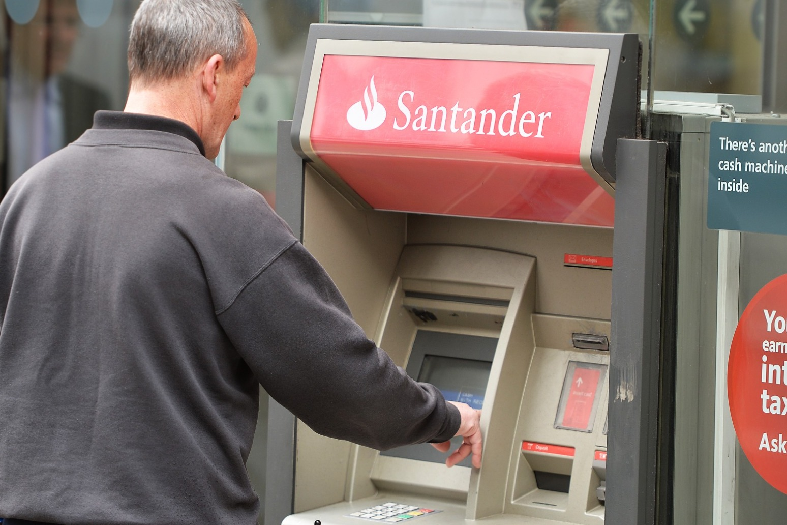 Santander customers unable to make payments due to 'technical problem'