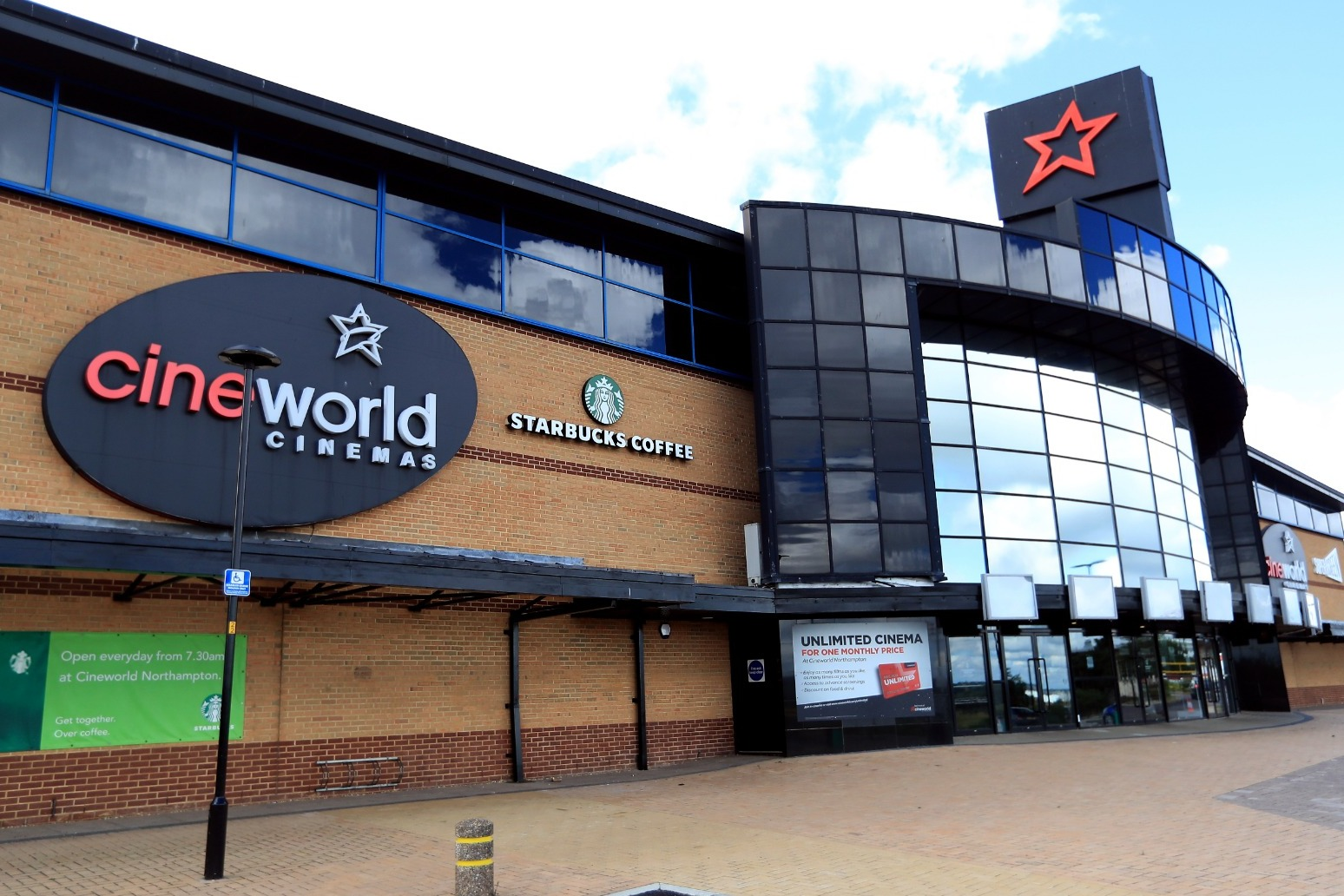 Cineworld to deliver sharp sales slump after theatre closures
