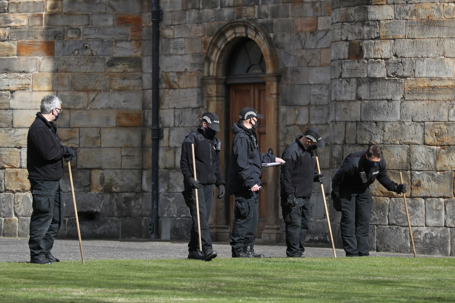 Man arrested following suspicious item in the grounds of the Palace of Holyroodhouse