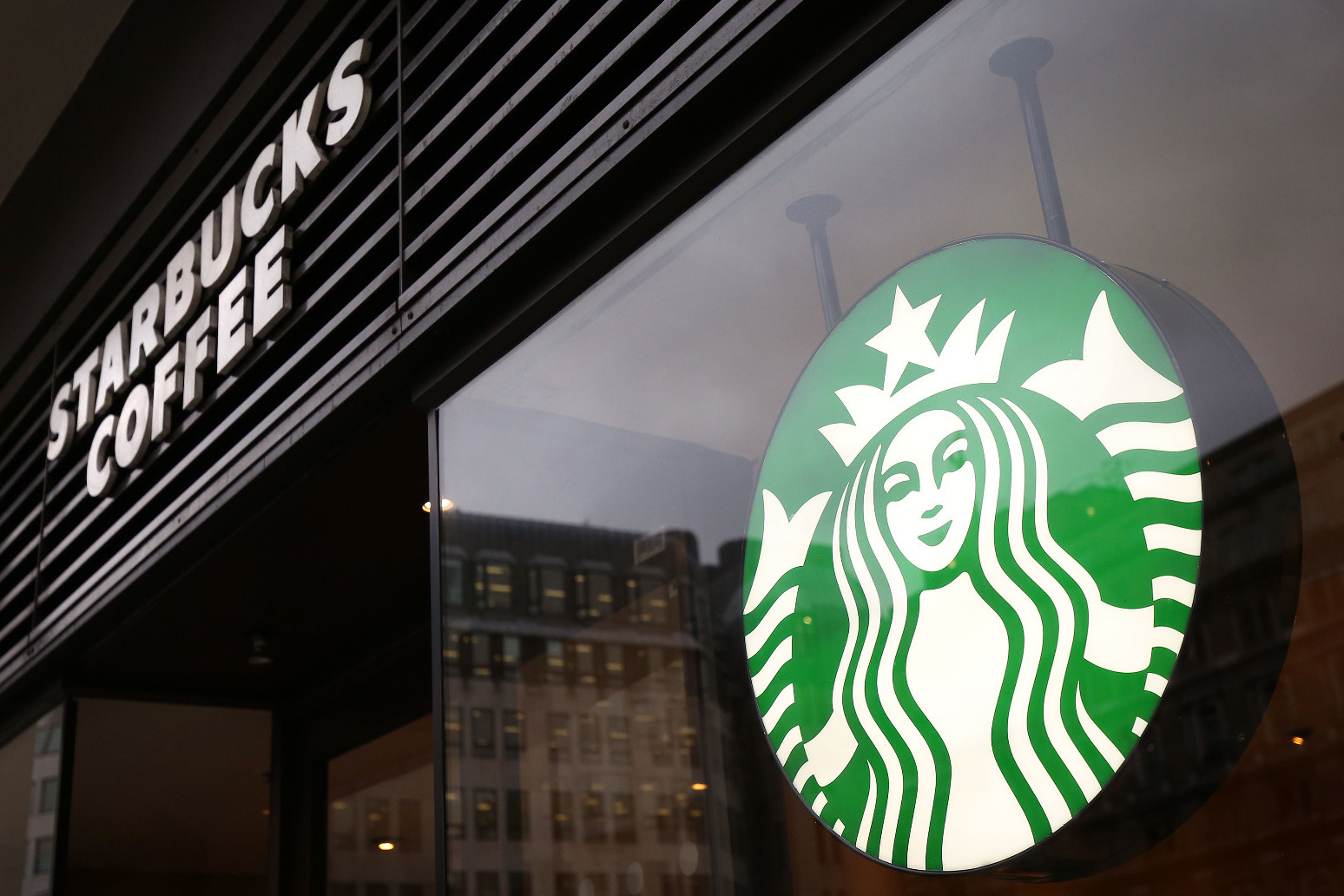 Starbucks creates 400 jobs across UK as demand rebounds