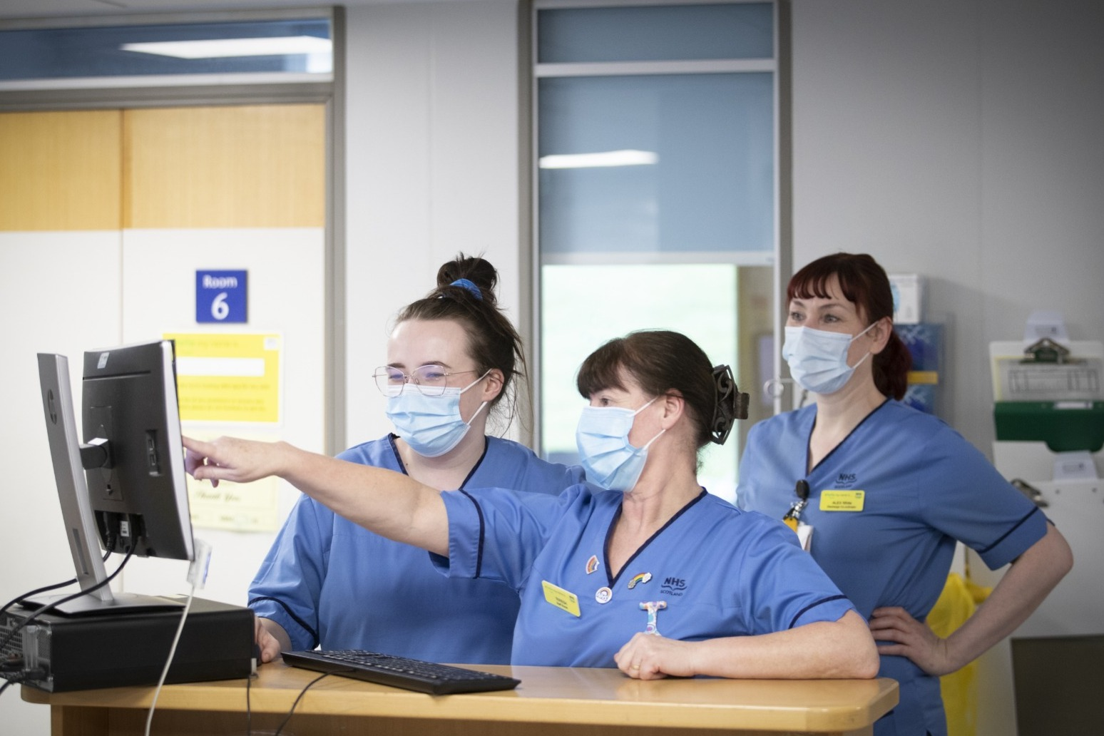 'Nightingale effect' sees surge in nurses joining NHS during pandemic
