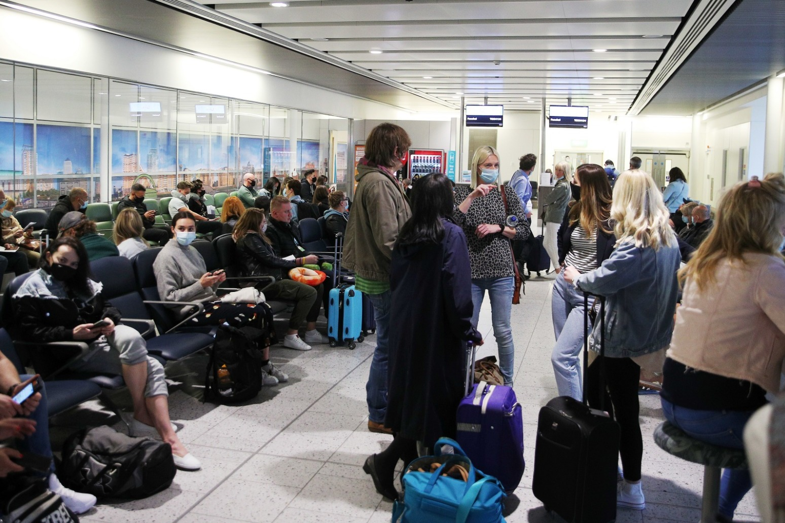 Holidaymakers urged not to jet off to Spain