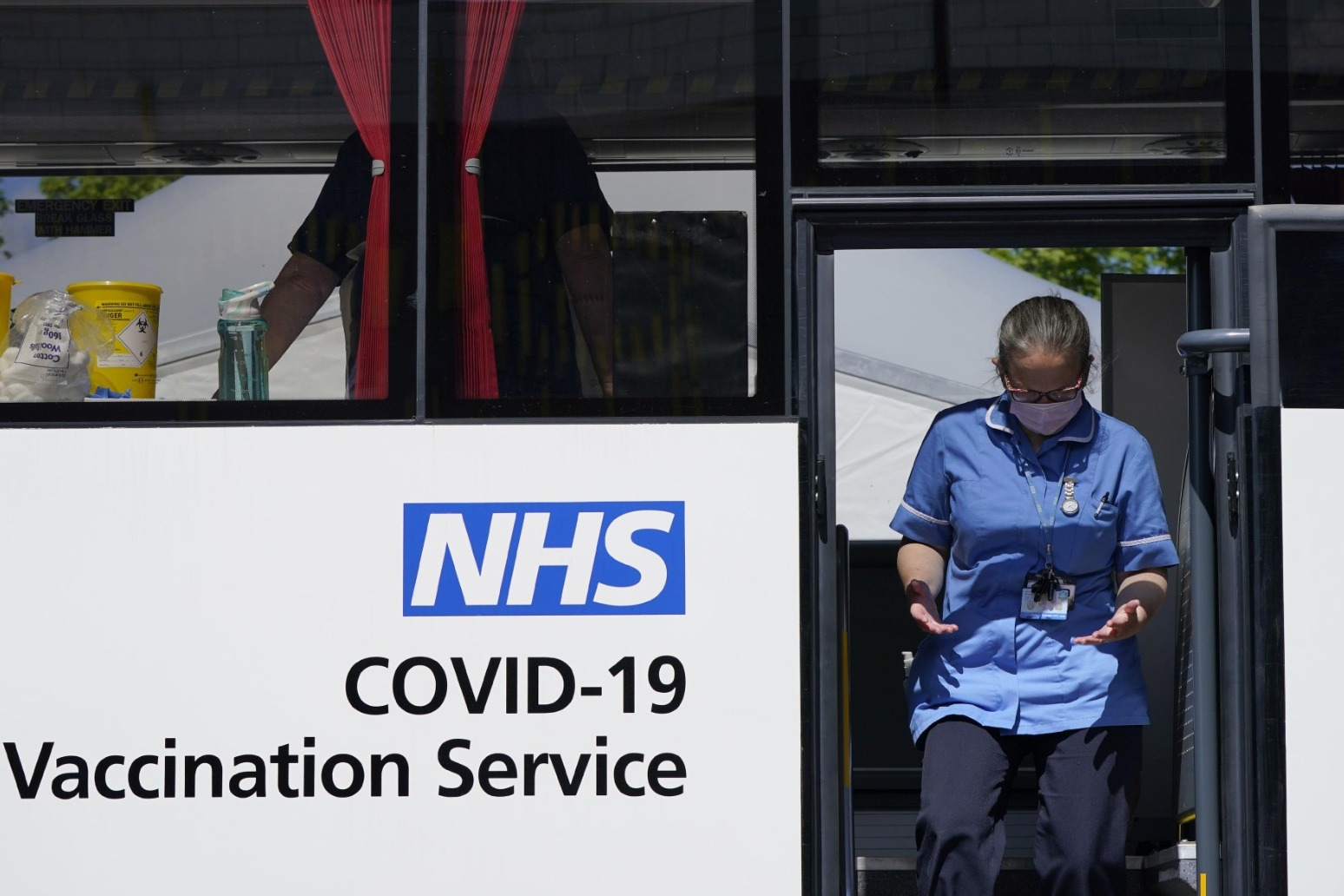 Almost 3,000 cases of Indian variant as UK faces race between virus and vaccine