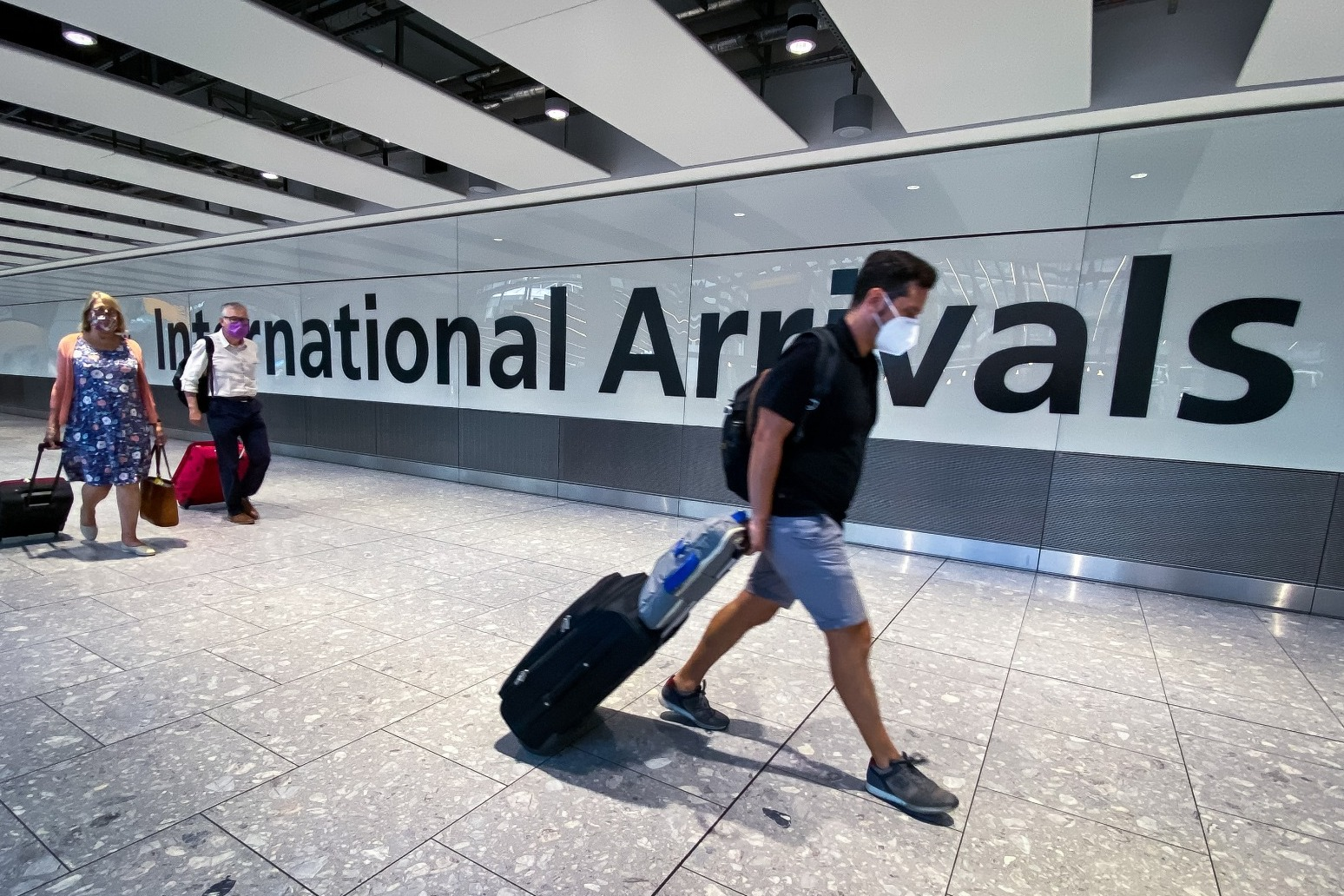 Airports fear losing £2.6bn in 2021 due to 'overly cautious' travel rules