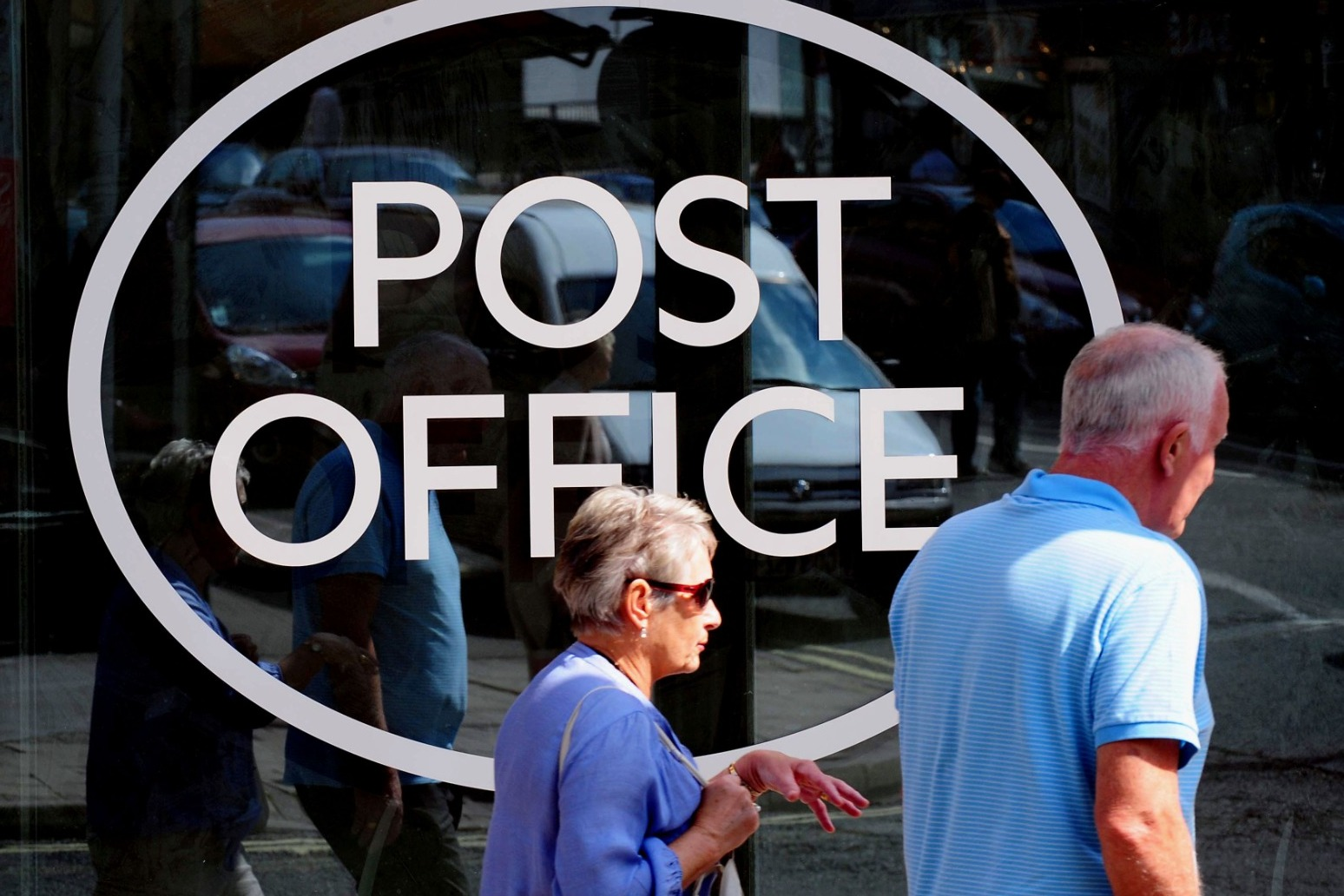 Banks should be required to ensure customers can access cash, says Post Office.