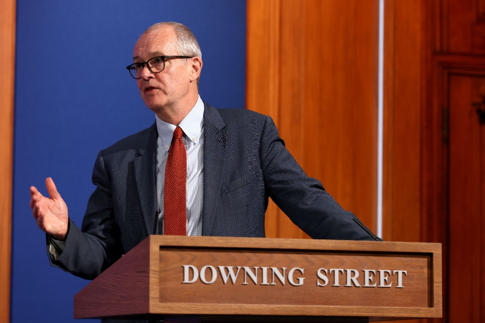 PM hands Sir Patrick Vallance new roles under 'science superpower' ambitions