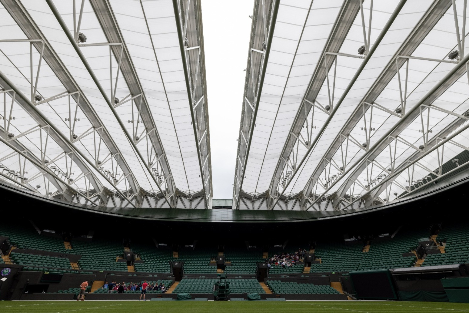 Heavy showers could cause disruption on day one of Wimbledon