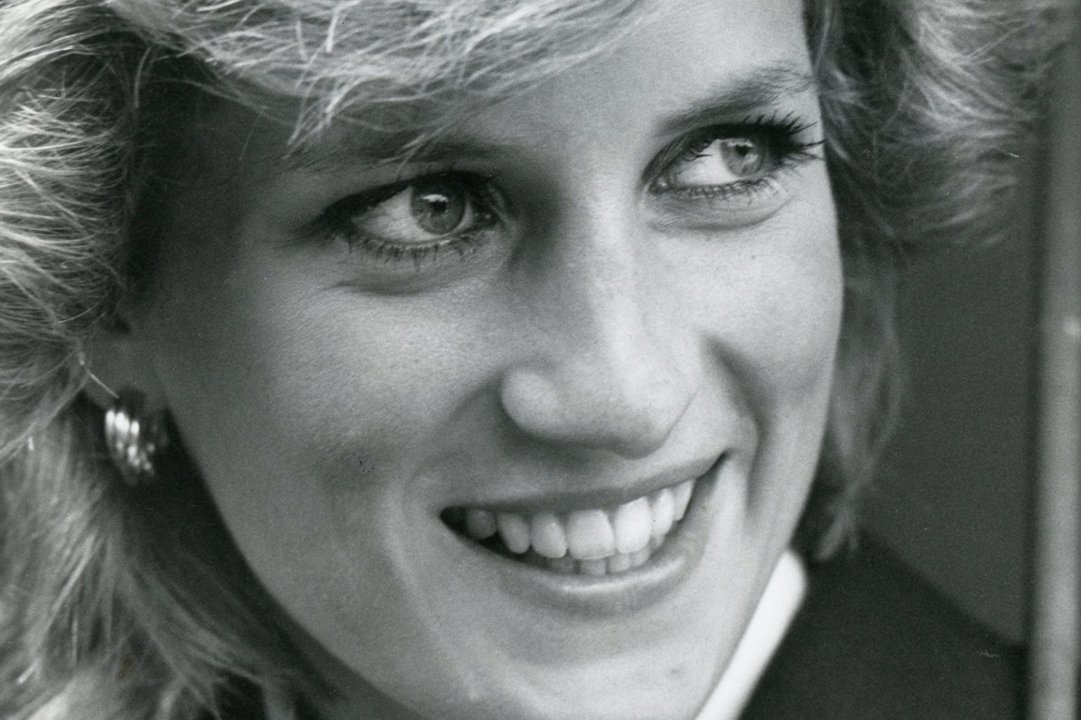 Diana fans remember princess on 24th anniversary of her death