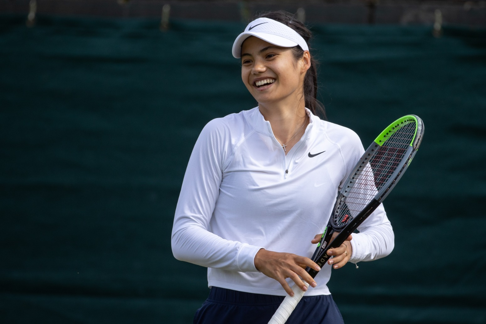 Emma Raducanu\'s Wimbledon run comes to a sad end after she suffers breathing difficulties