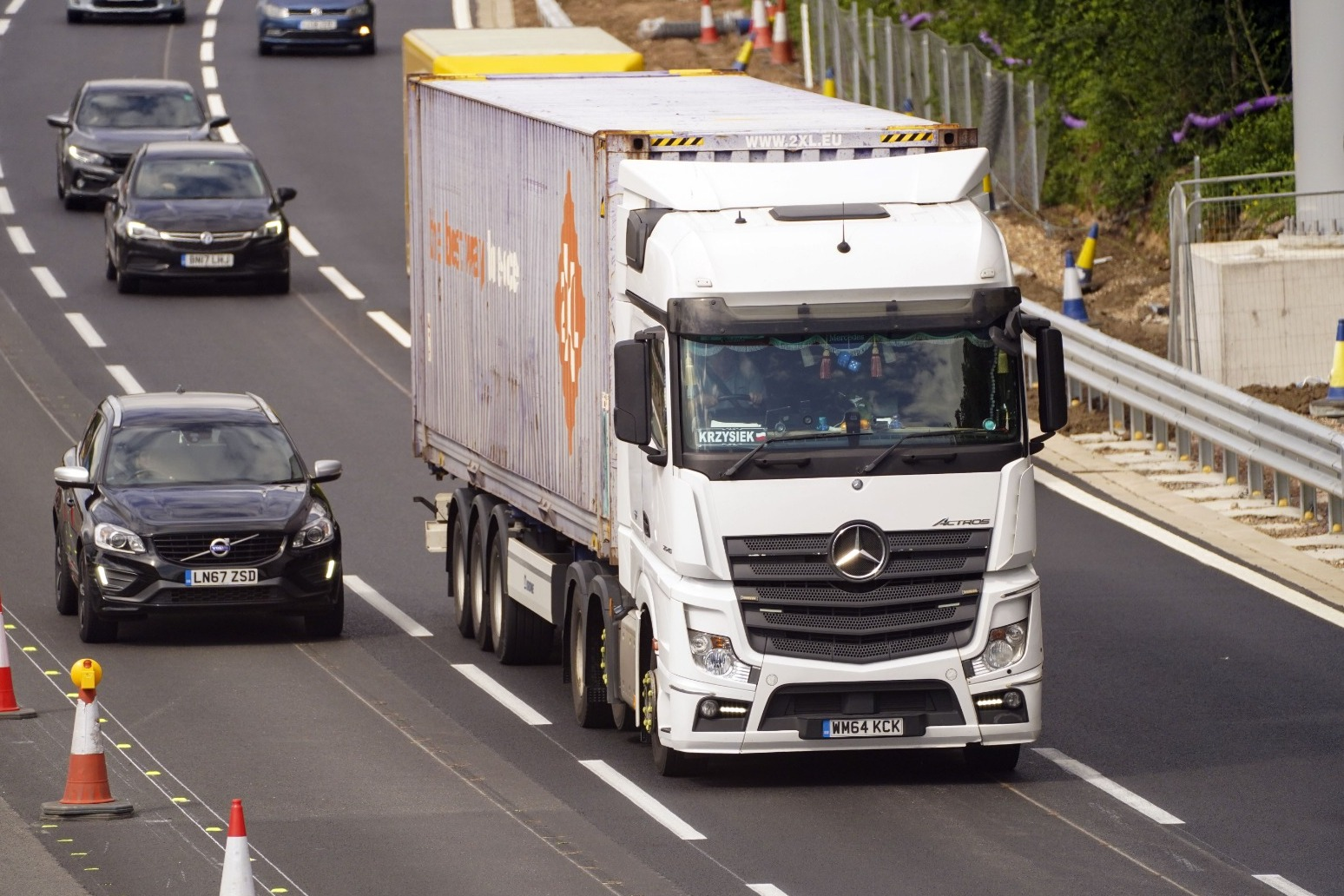 Longer lorries could hit British roads next year in bid to cut emissions and congestion