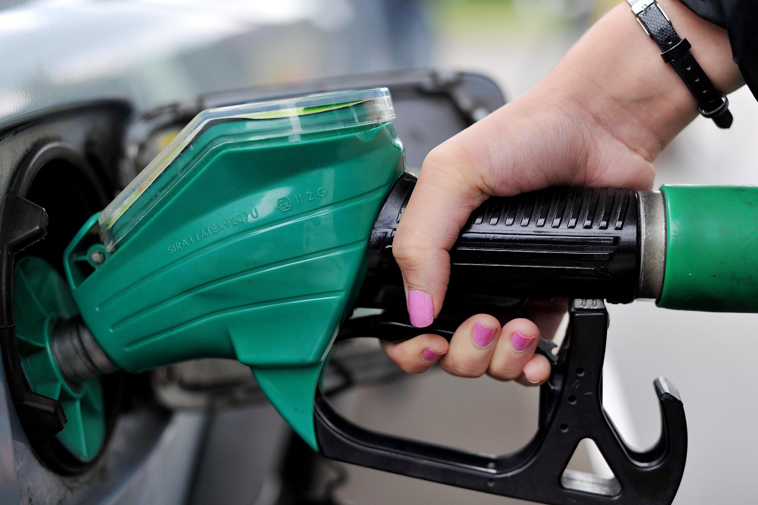 'No need to panic' about E10 fuel arriving next month, says AA