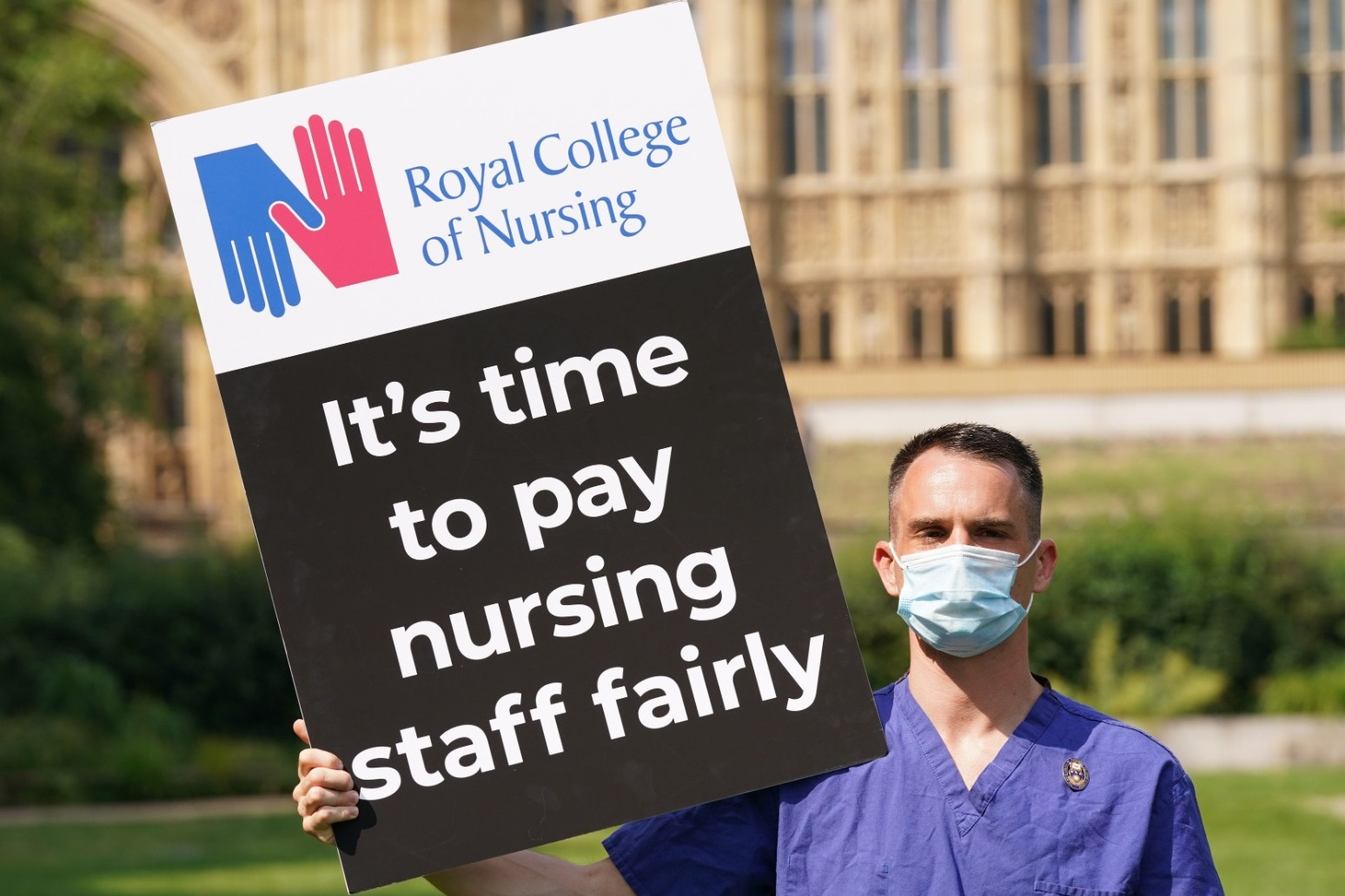 NHS staff in England will get 3% pay rise after day of confusion