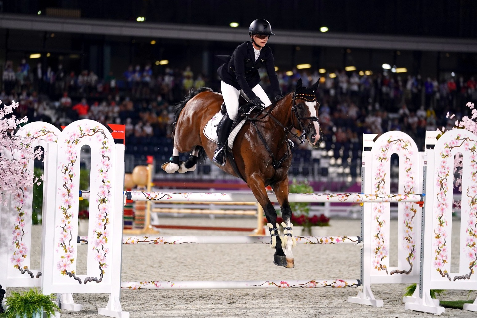 Team GB first gold in show jumping in more than 50 years