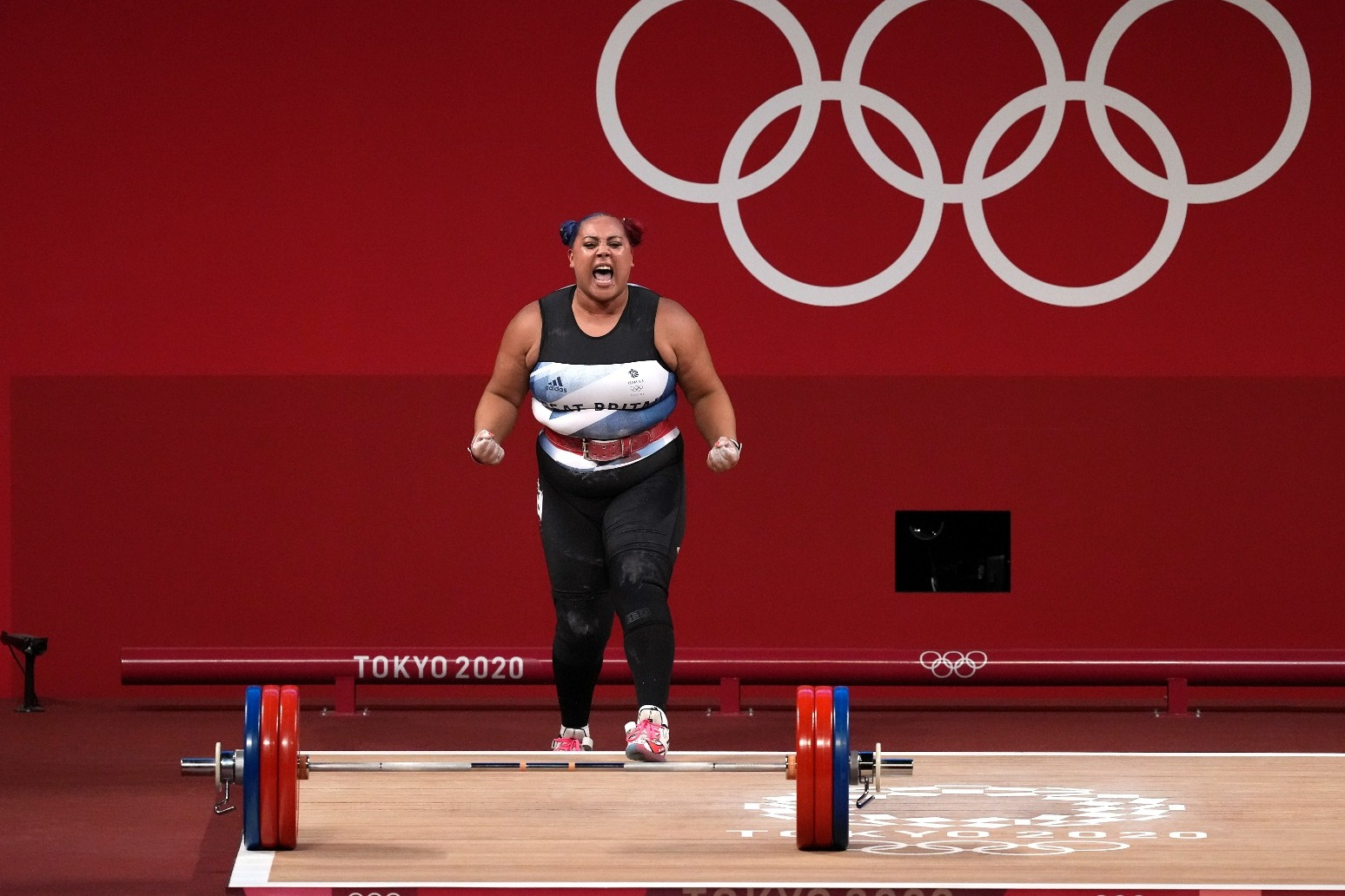 Emily Campbell secures Great Britain's first women's Olympic weightlifting medal