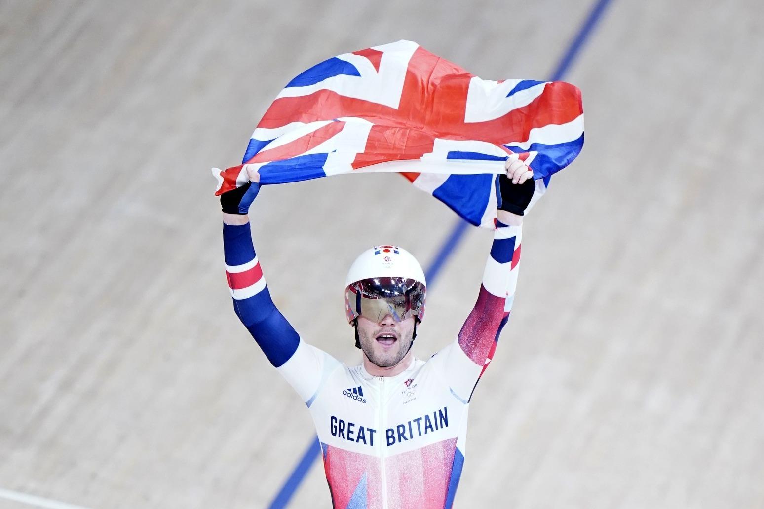 Matt Walls wins omnium gold as Great Britain claim first Tokyo velodrome title