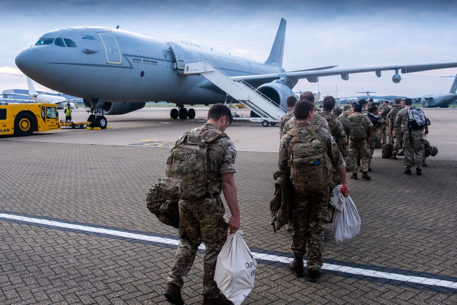 Wallace dismisses 'arrogant' claims UK can resolve Afghan crisis alone