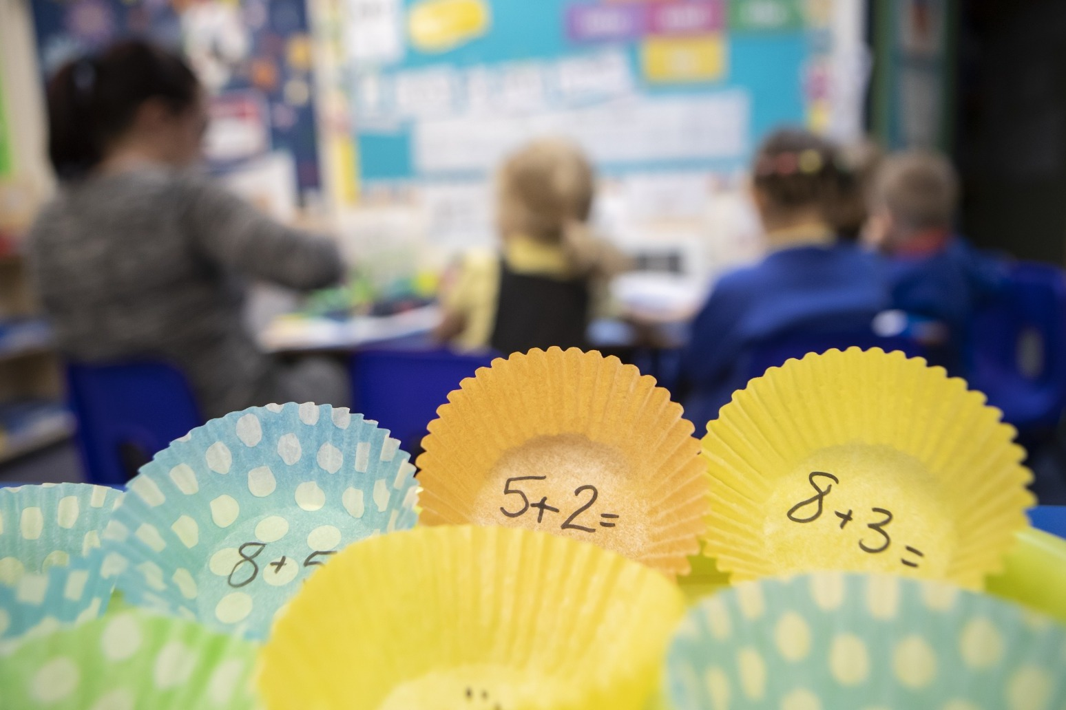 Schools in England to receive CO2 monitors to improve ventilation