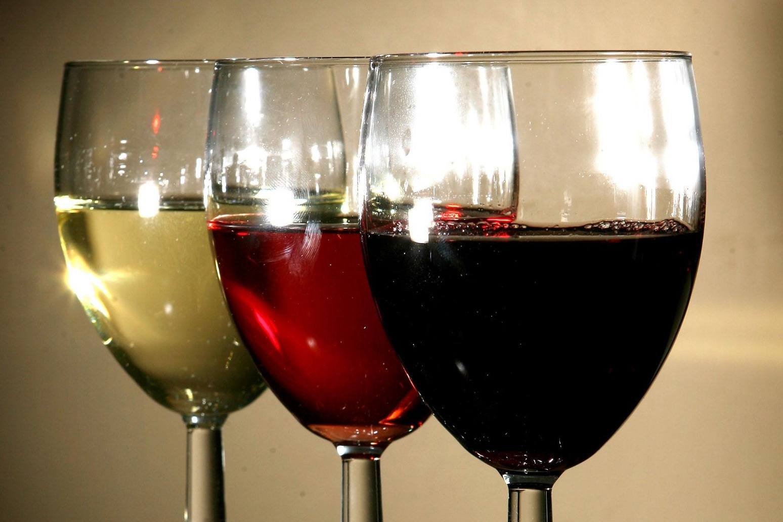 Cheaper wine in the offing as Government closes in on New Zealand trade deal