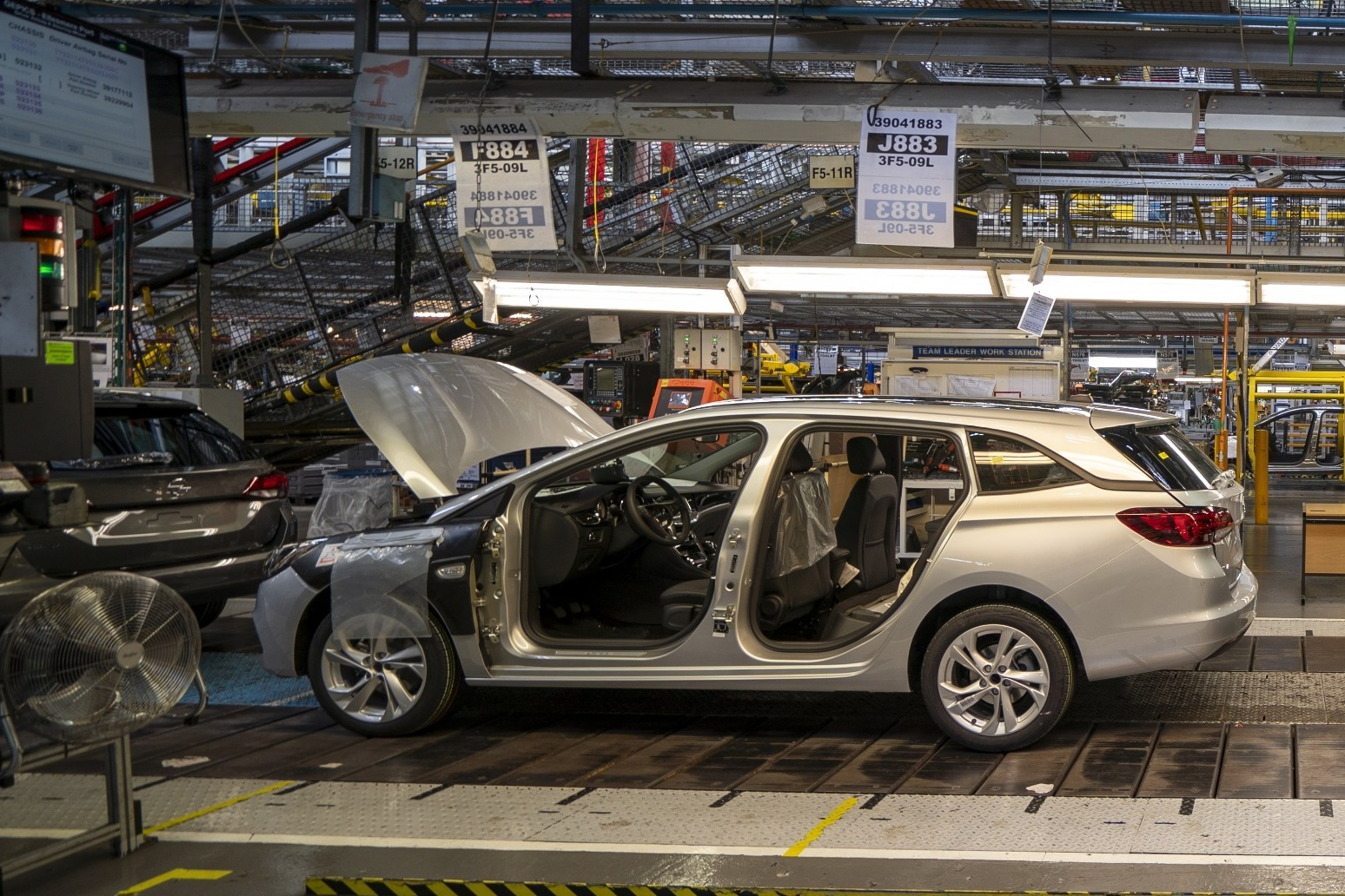 Car production 'plummeted' in July