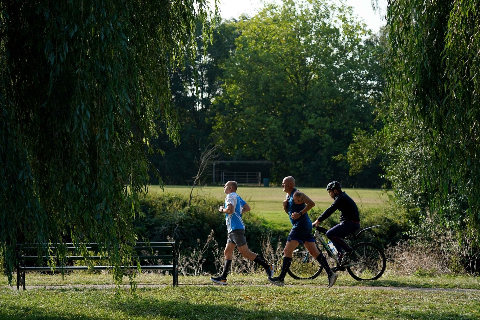 Parts of UK to bask in heatwave with 29C temperatures ahead thumbnail