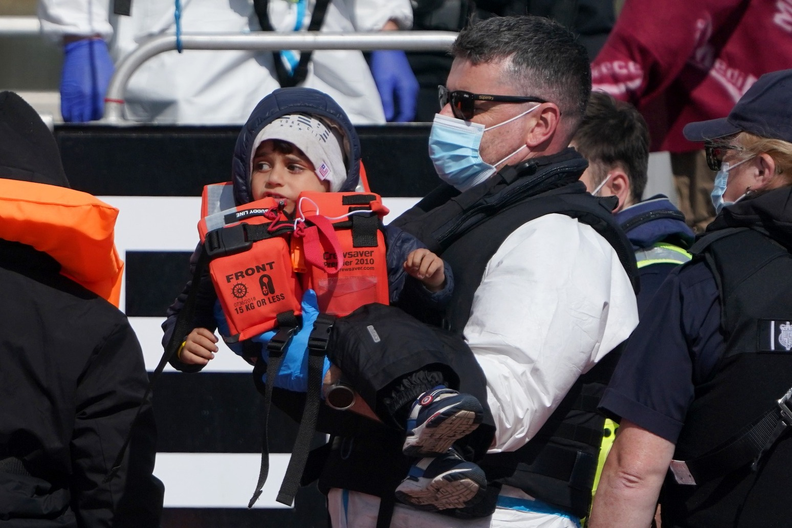 UK would not breach international law to tackle migrant crossings
