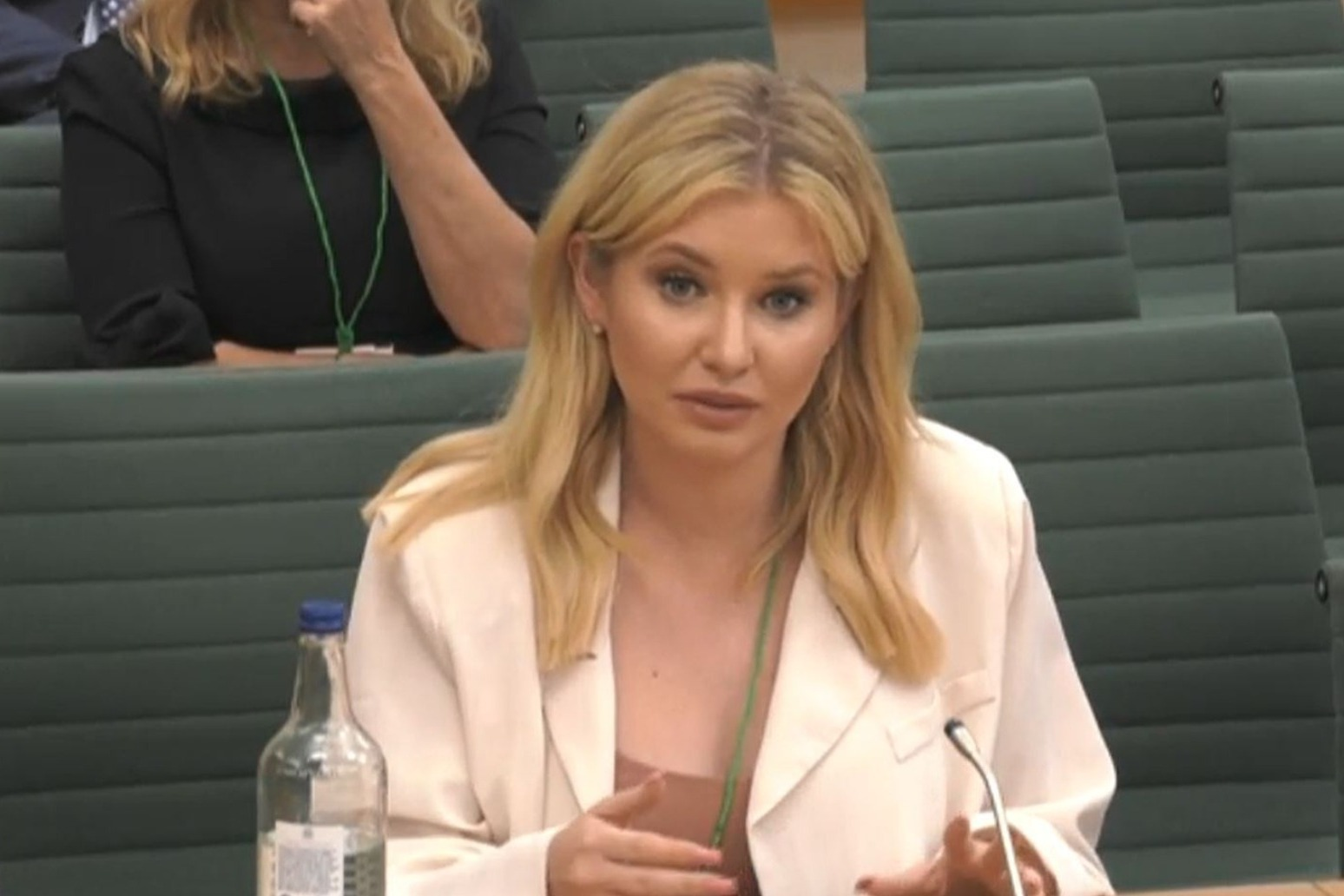Love Island's Amy Hart: Social media sites not supportive enough over trolling