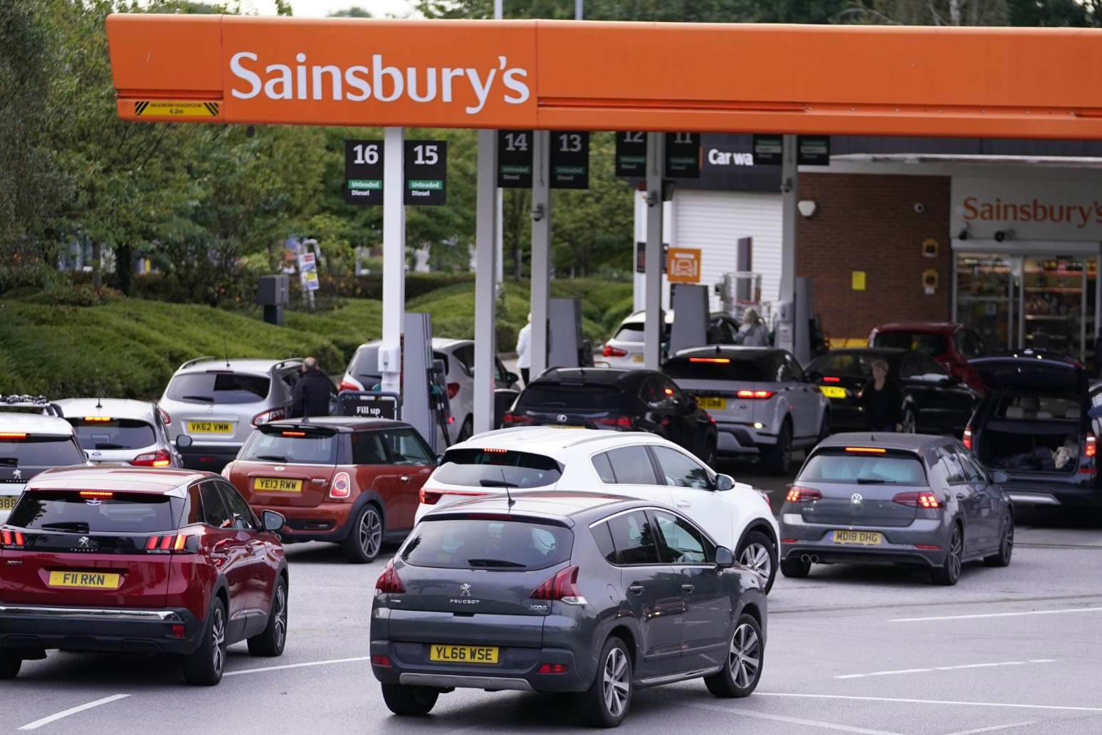 Carry on as normal,' Shapps urges drivers amid forecourt closures