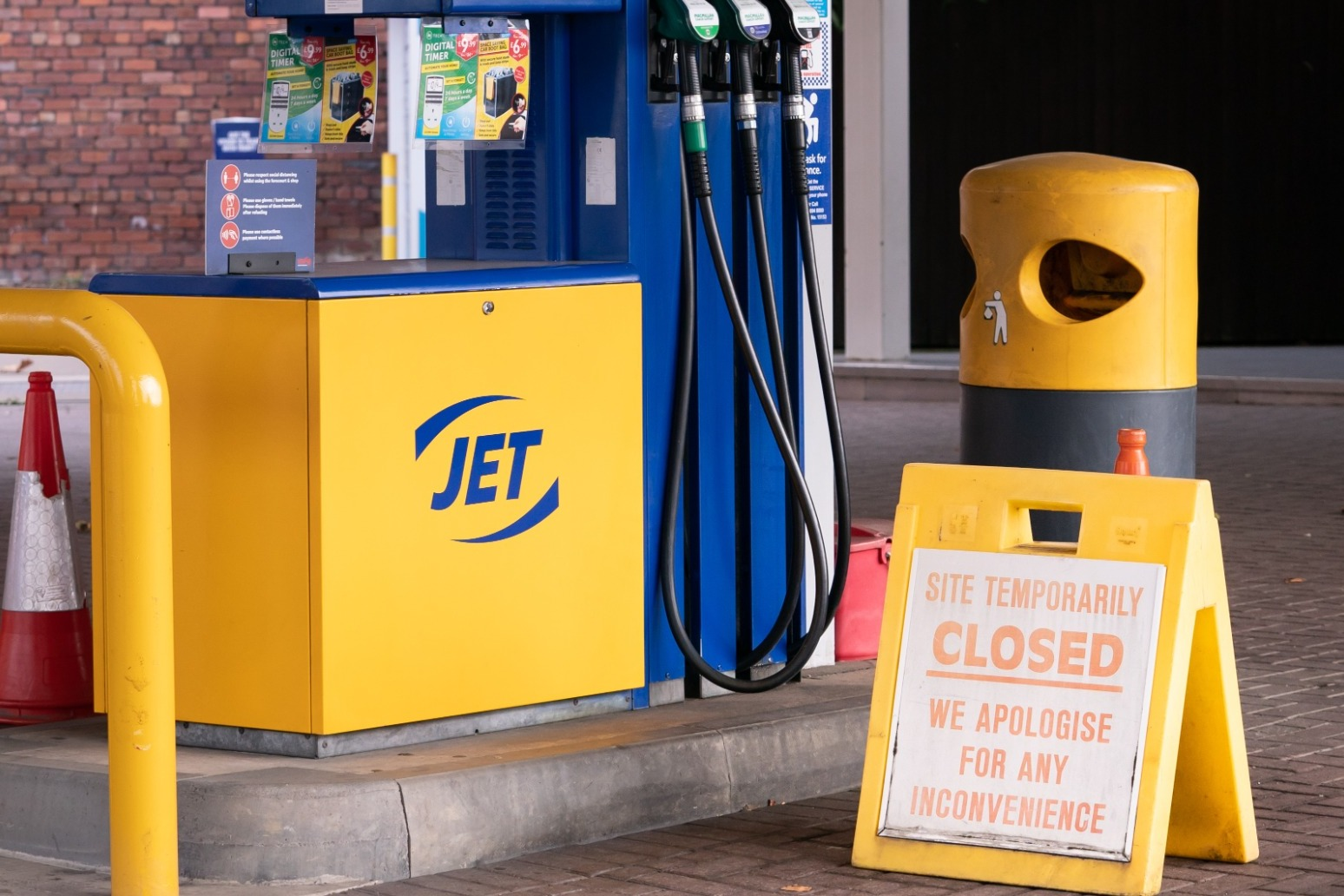 Boris Johnson says crisis on petrol forecourts is 'stabilising'