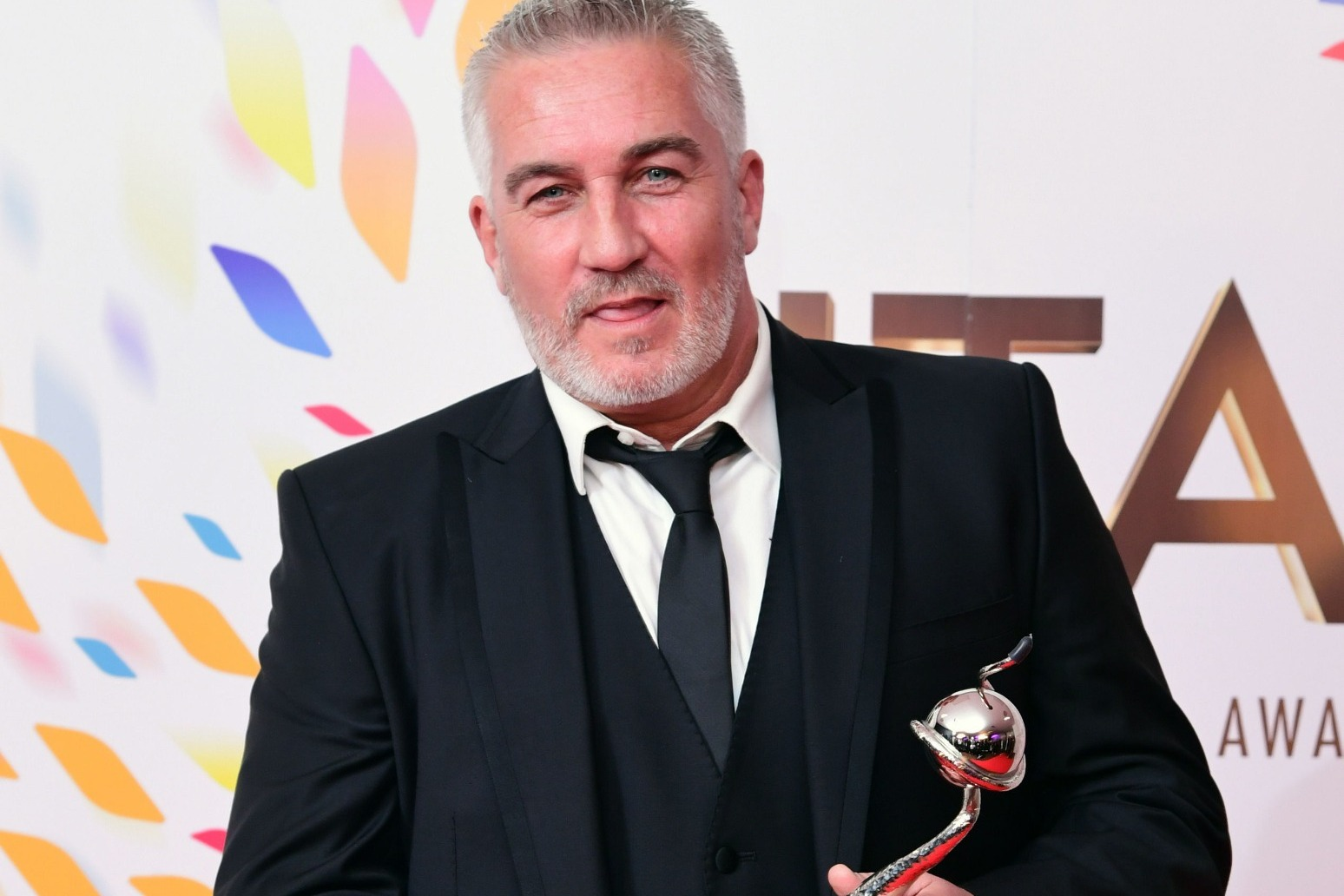 Paul Hollywood to go on tour with live cookery show