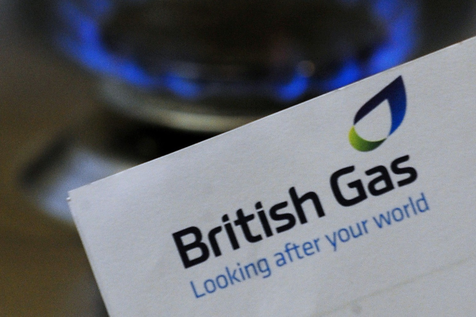 CENTRICA SHEDS ANOTHER 107,000 HOUSEHOLD ACCOUNTS AND HIKES COST SAVINGS