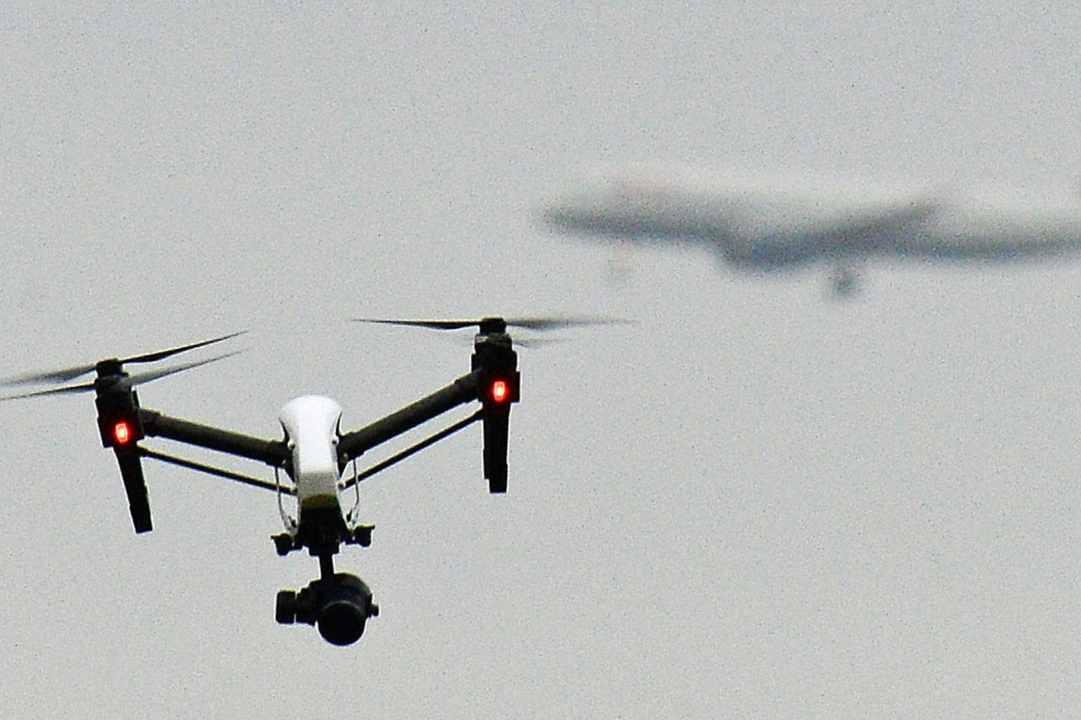 DRONE OWNERS FACE £1,000 FINE FOR FAILING TO SIGN UP TO NEW REGISTER