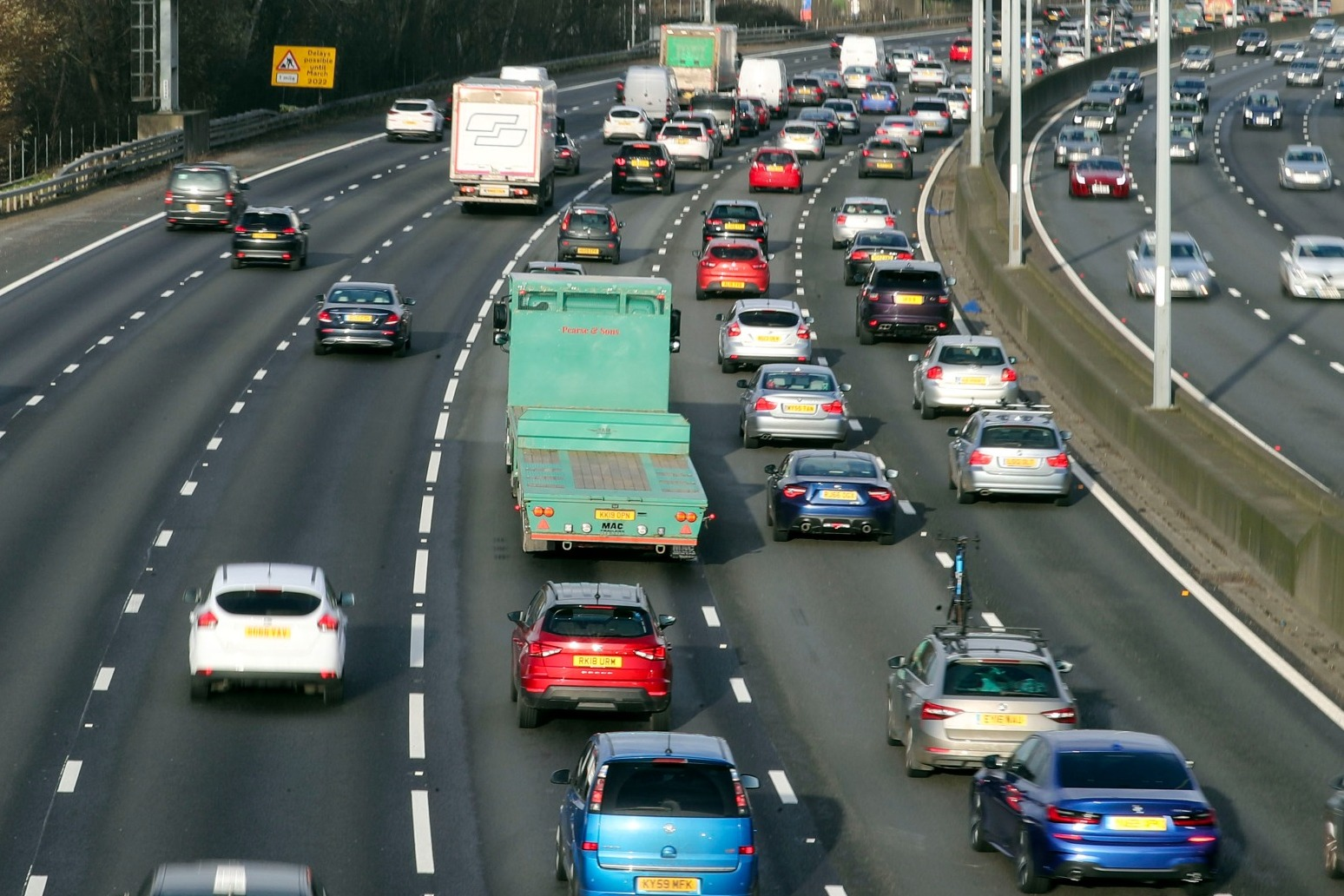 MOTORISTS CLOCKING UP 450 MILES EACH OVER CHRISTMAS - SURVEY