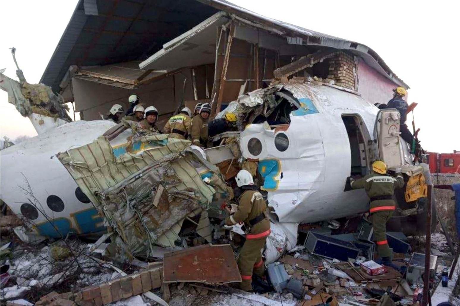 15 KILLED AND 66 INJURED AS PLANE CRASHES IN KAZAKHSTAN