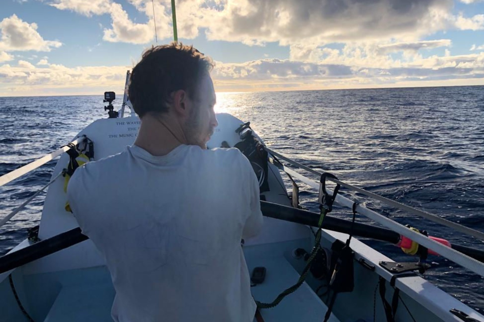BROTHERS ROWING ATLANTIC WILL CELEBRATE NEW YEAR WITH WHISKY AND BAGPIPE SOLO